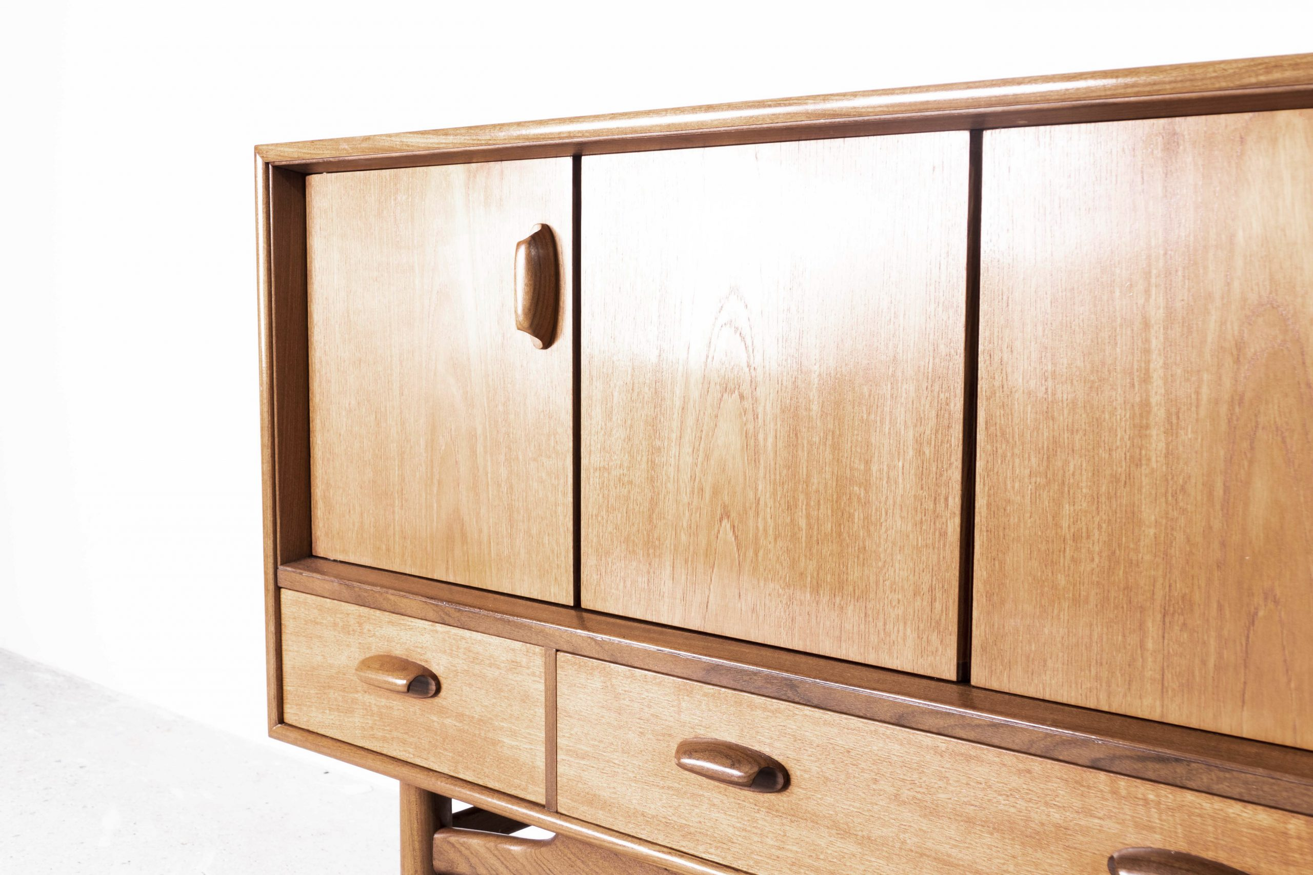 mueble de salon vintage aparador g plan acordeón