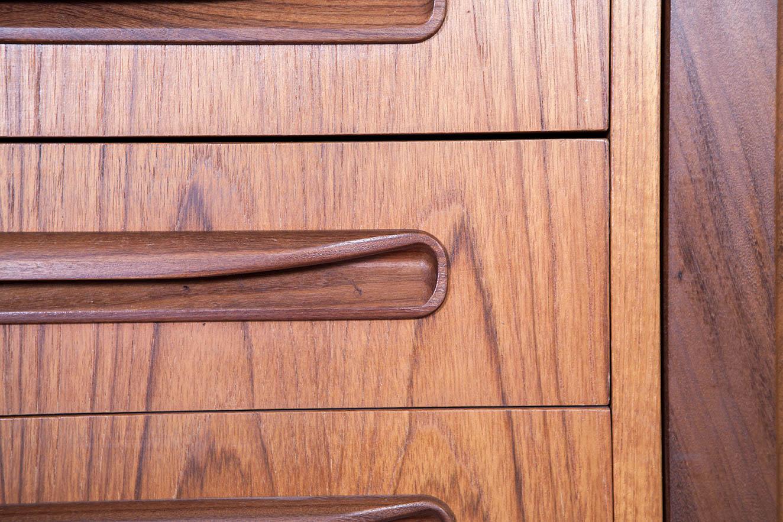 tiradores madera de teca detalle calidad mueble mid century