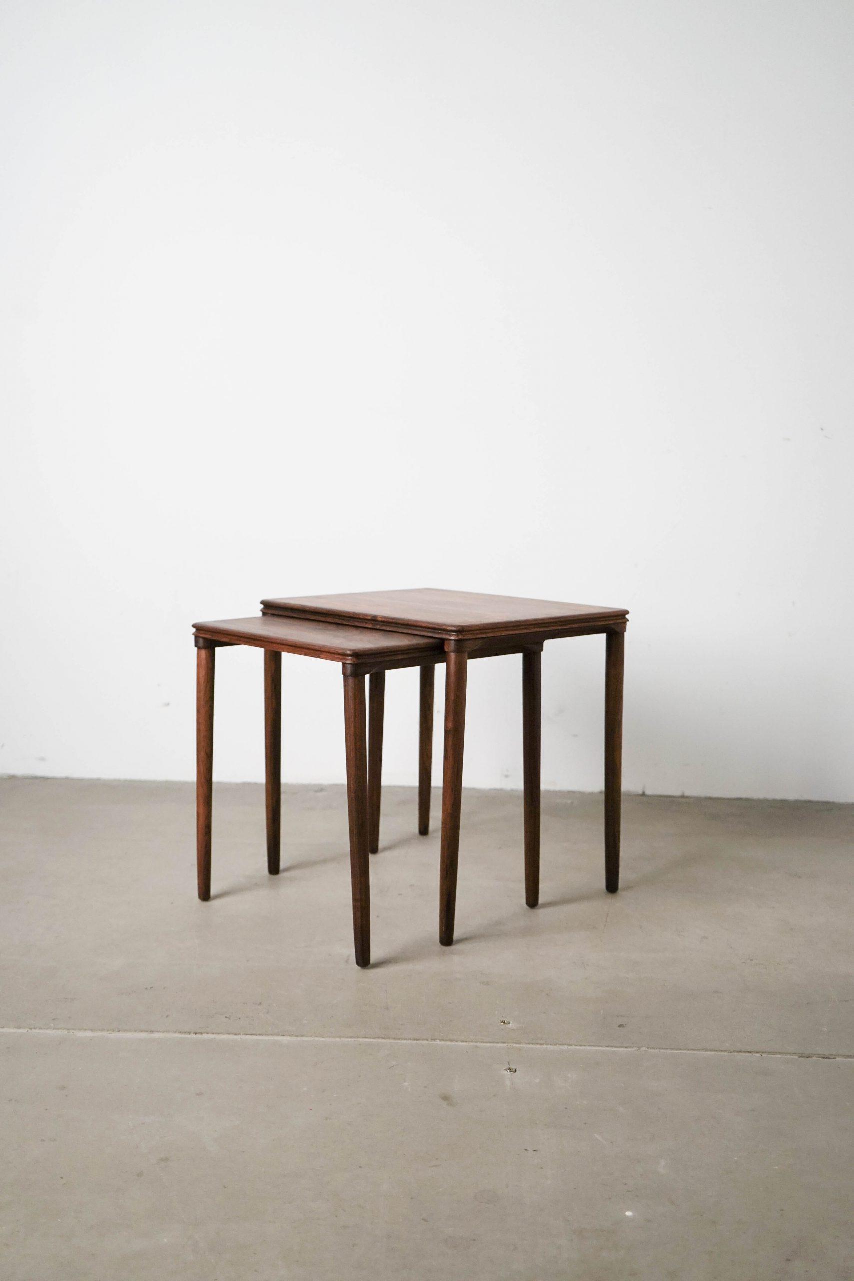 mesa auxiliar de madera cuadrada pequeña diseño danesa