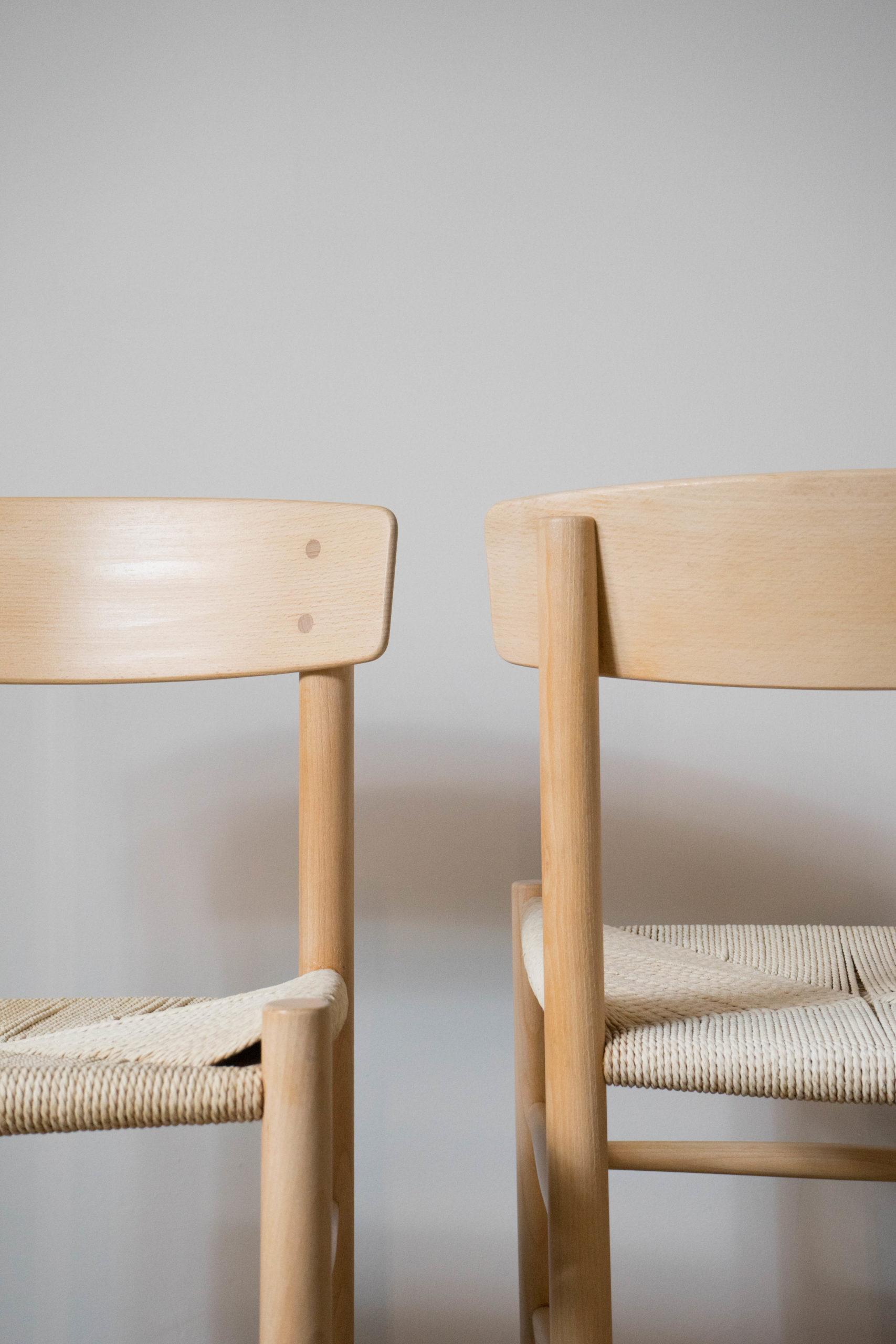 silla j39 de madera de diseño