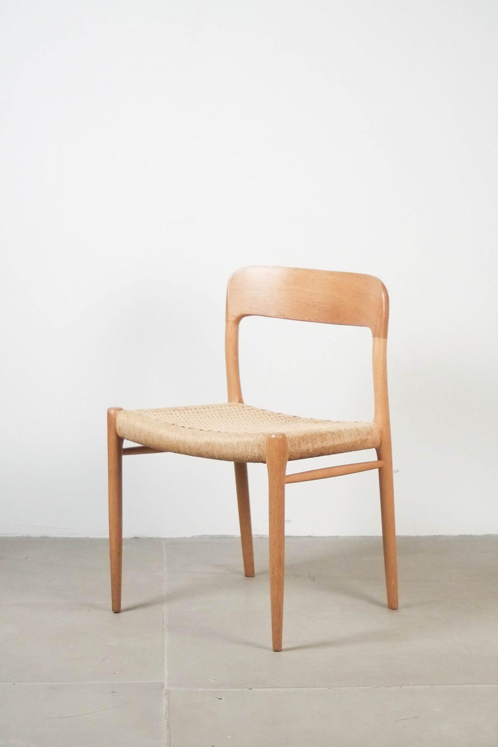 silla de diseño moller de madera de roble especial comoda