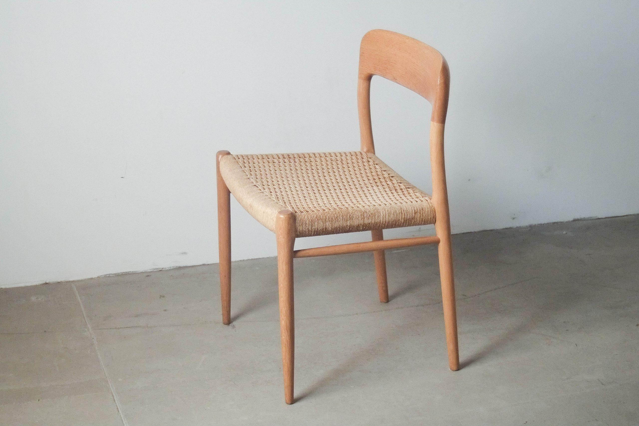 silla de diseño hecha a mano de madera de roble ebanista