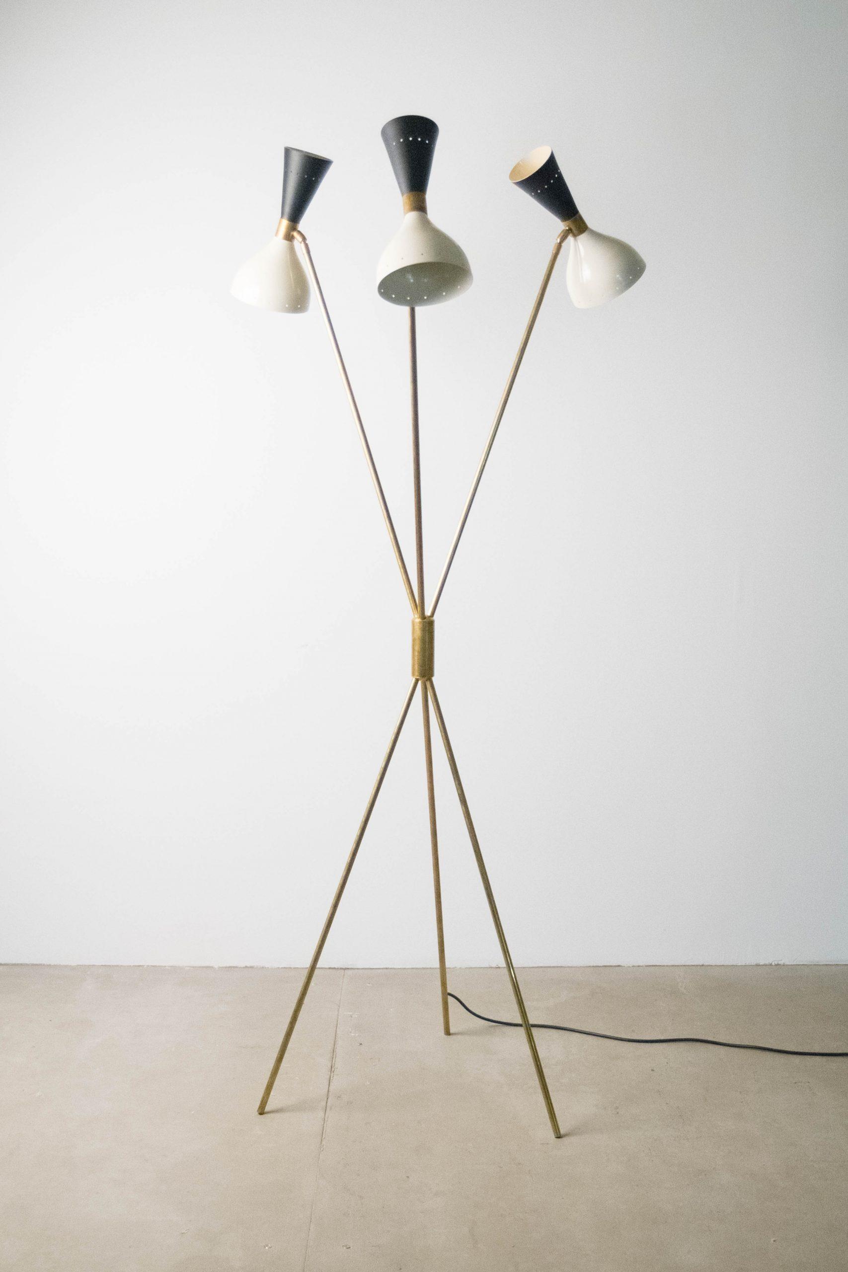 lampara de pie de diseño italiana stilnovo de laton