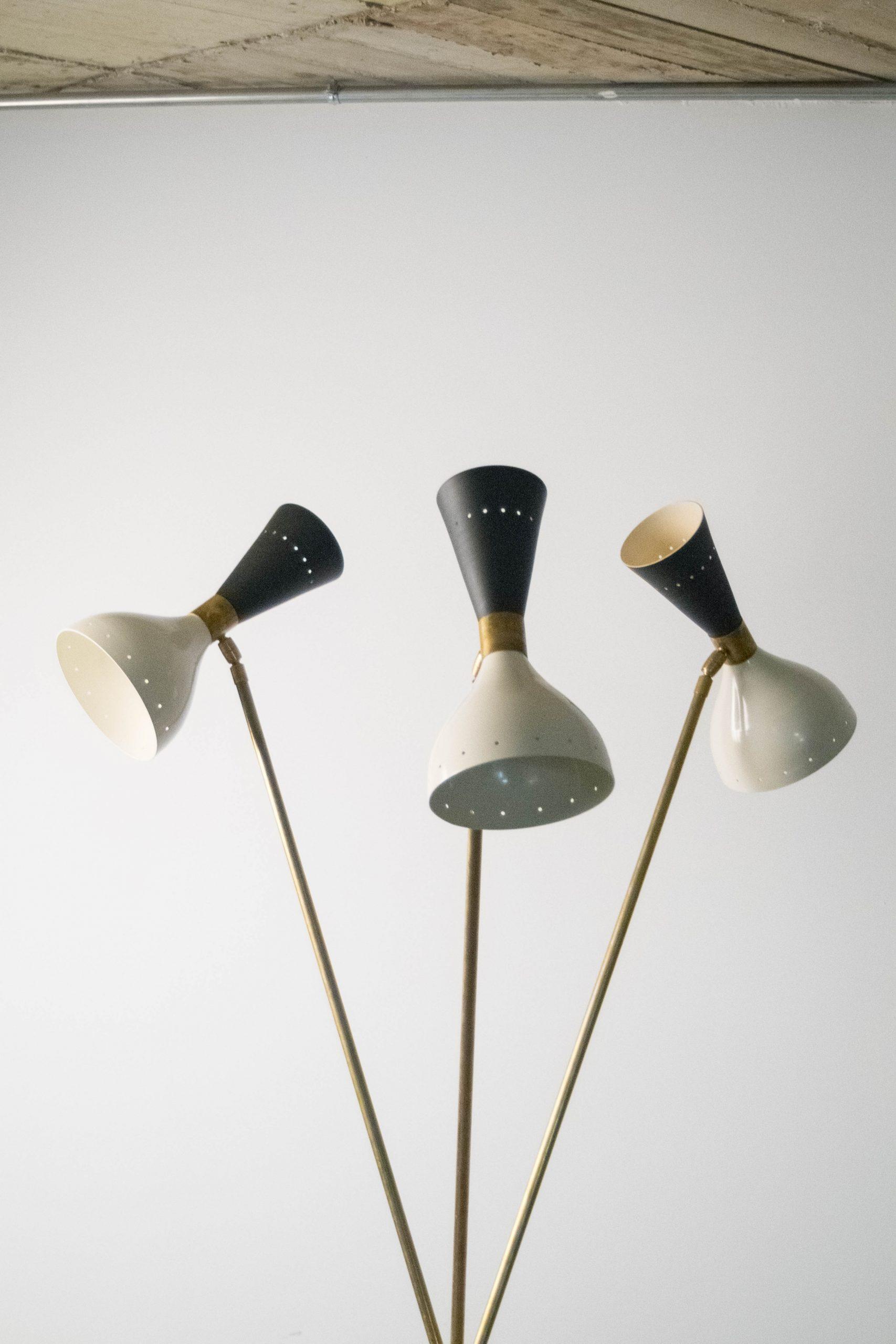 lampara de pie de laton de diseño blanca negra lacada de diseño