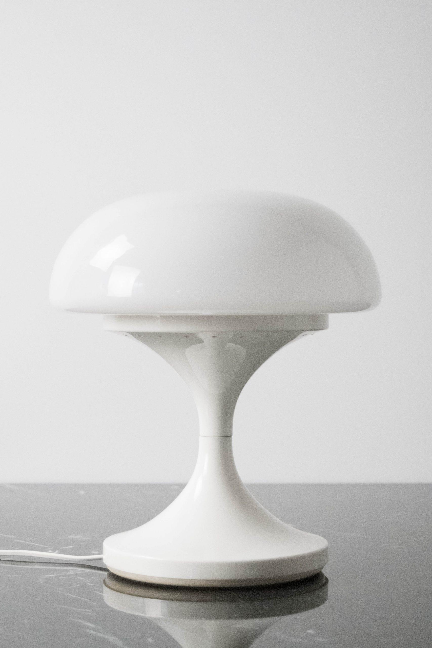 lampara de diseño space age