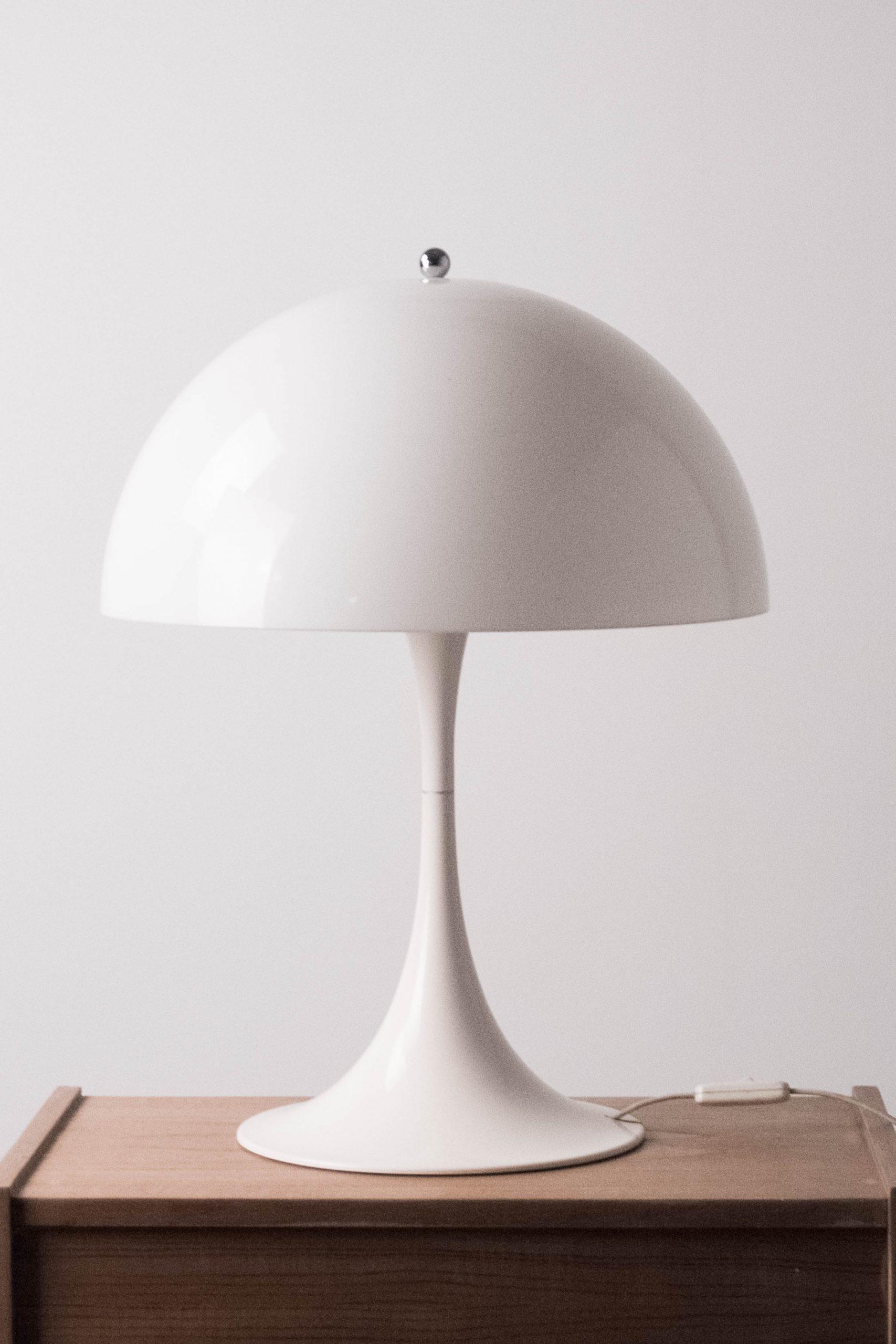lampara seta panthella de plastico blanco vintage