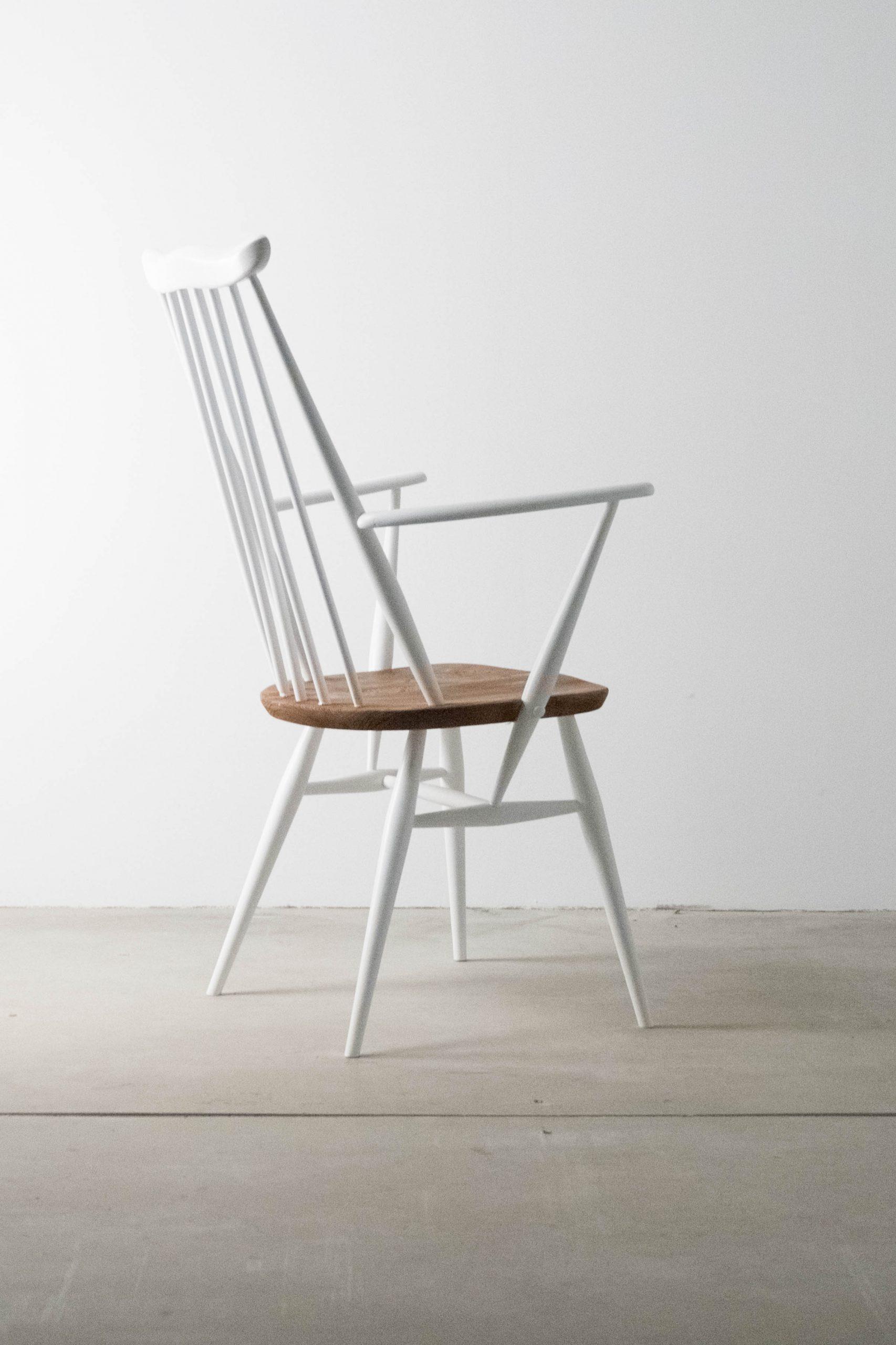 silla de diseño de madera de olmo ercol fabricada a mano en reino unido