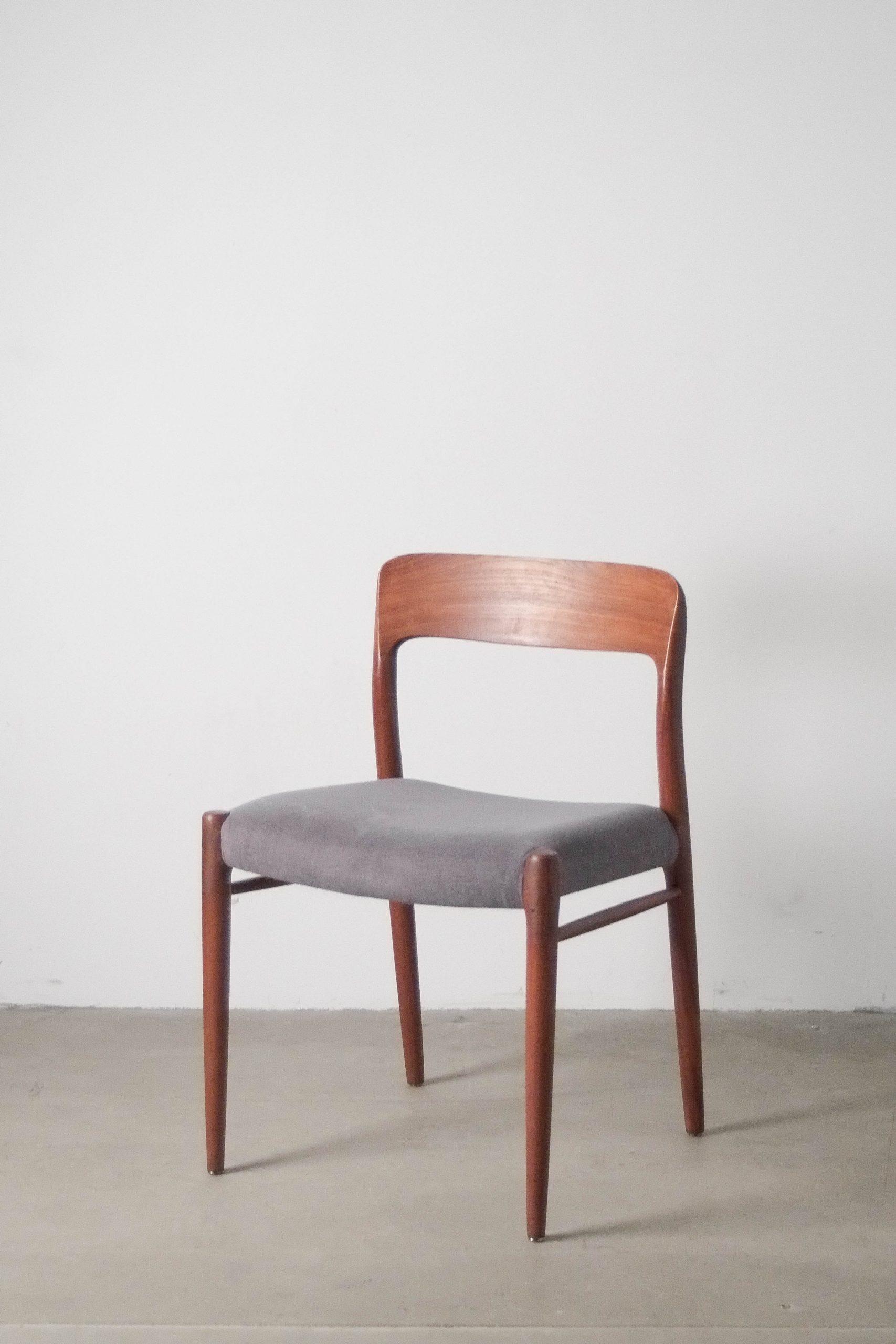 silla de diseño mid century de madera de comedor teca moller
