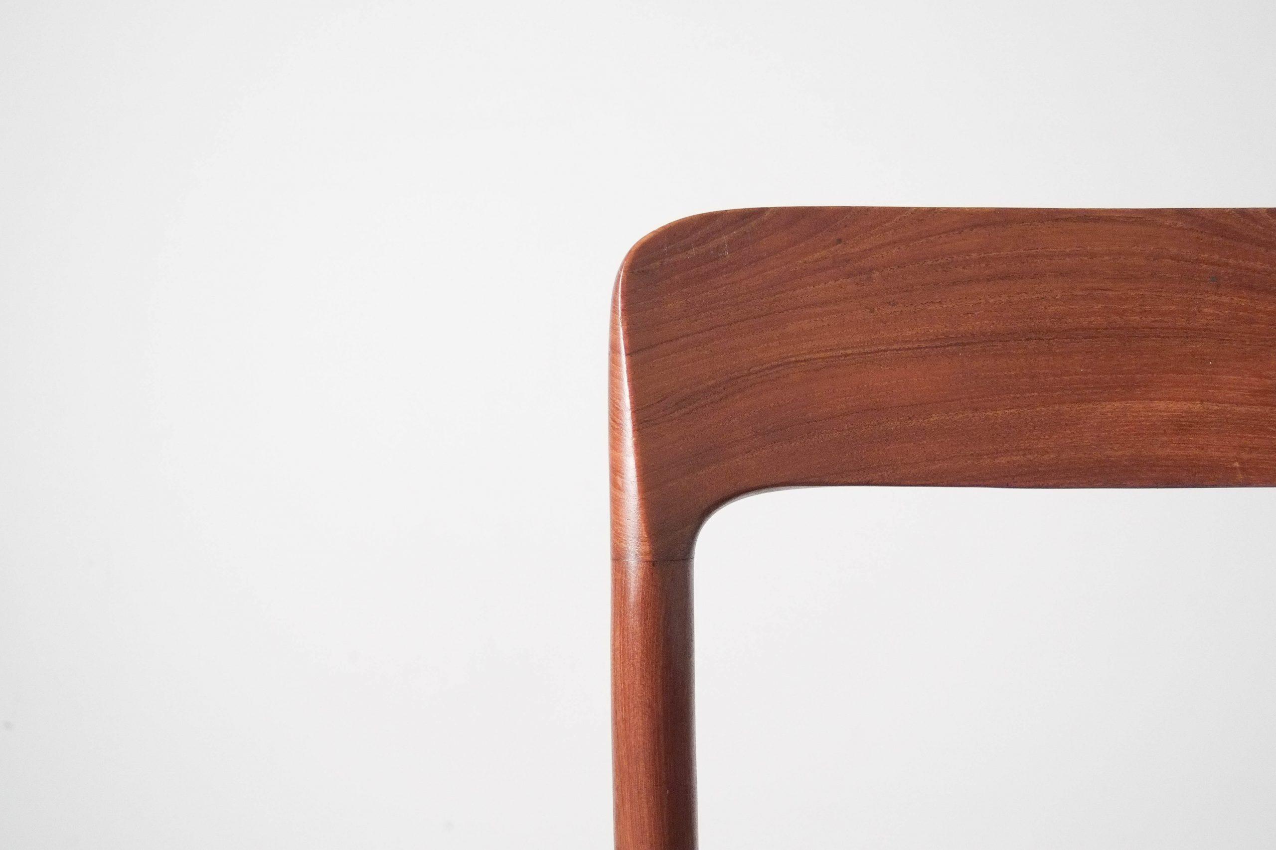 detalle respaldo madera maciza silla de diseño comoda comedor
