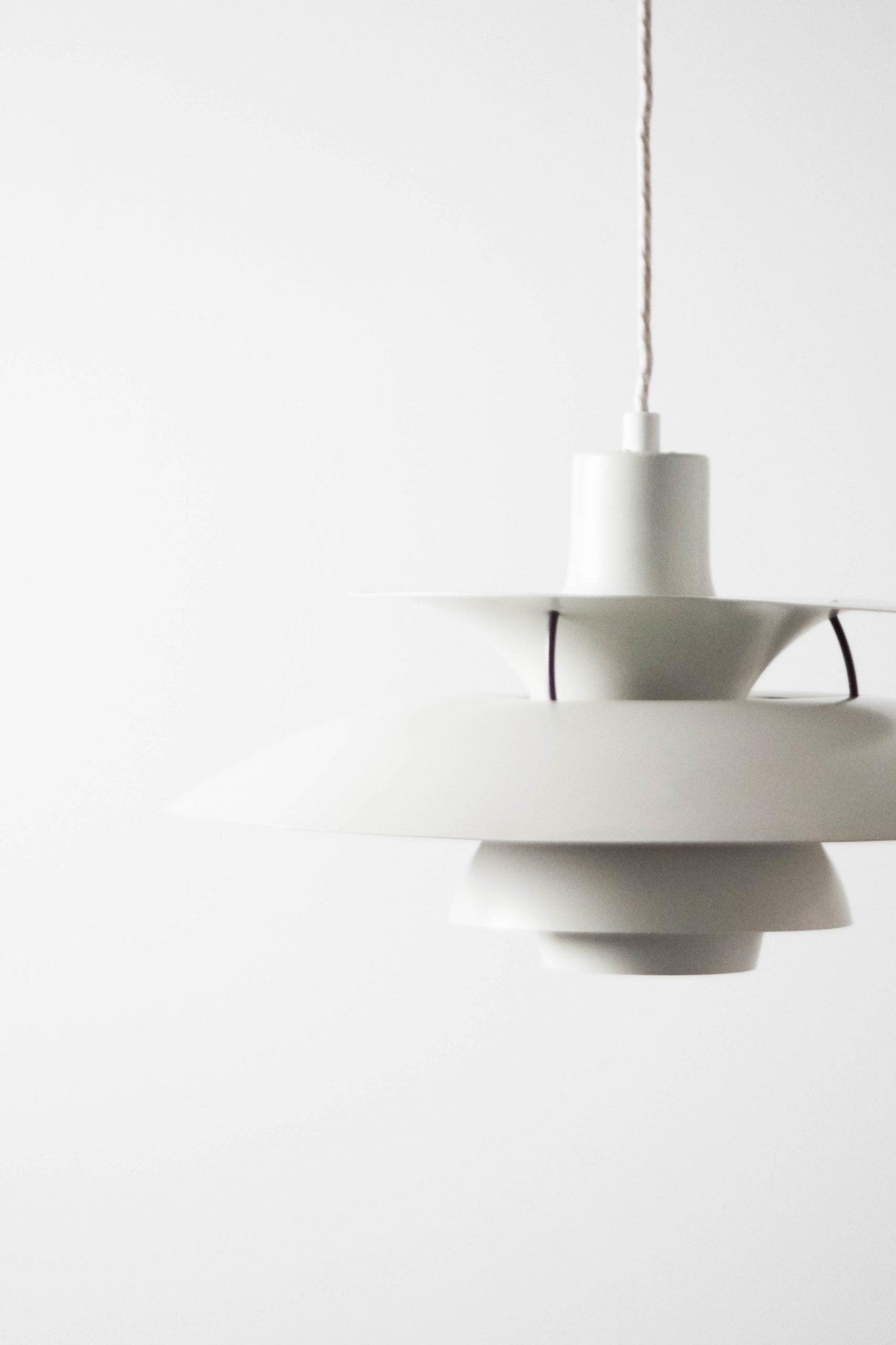 lampara danesa blanca poulsen