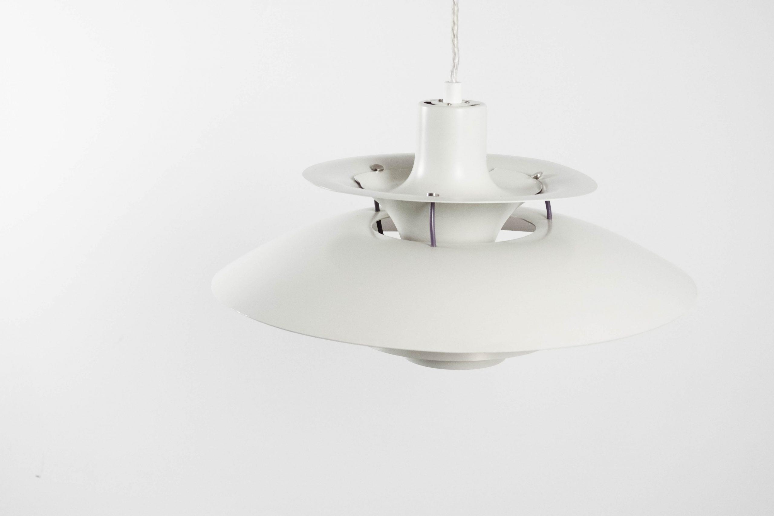 lampara moderna de techo blanca estilo diselo