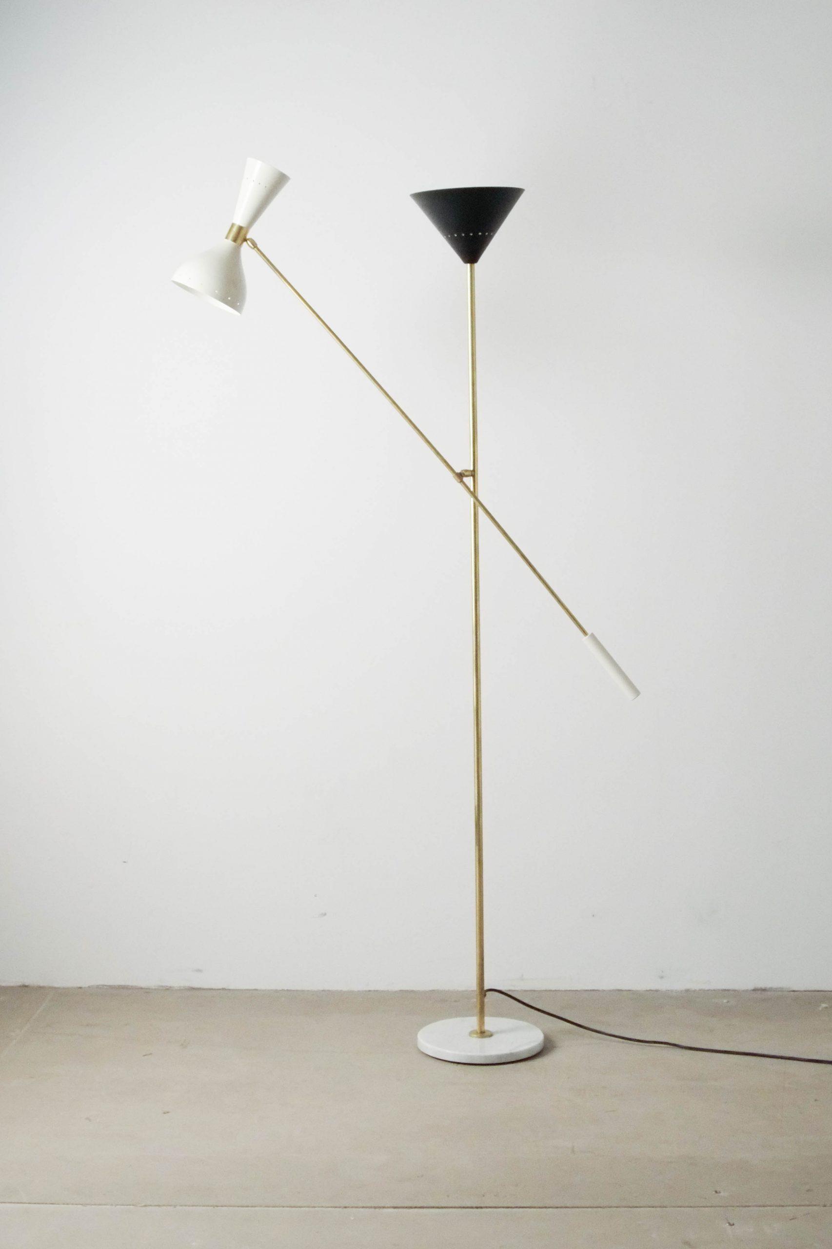 lampara stilnovo de laton de diseño elegante italiana