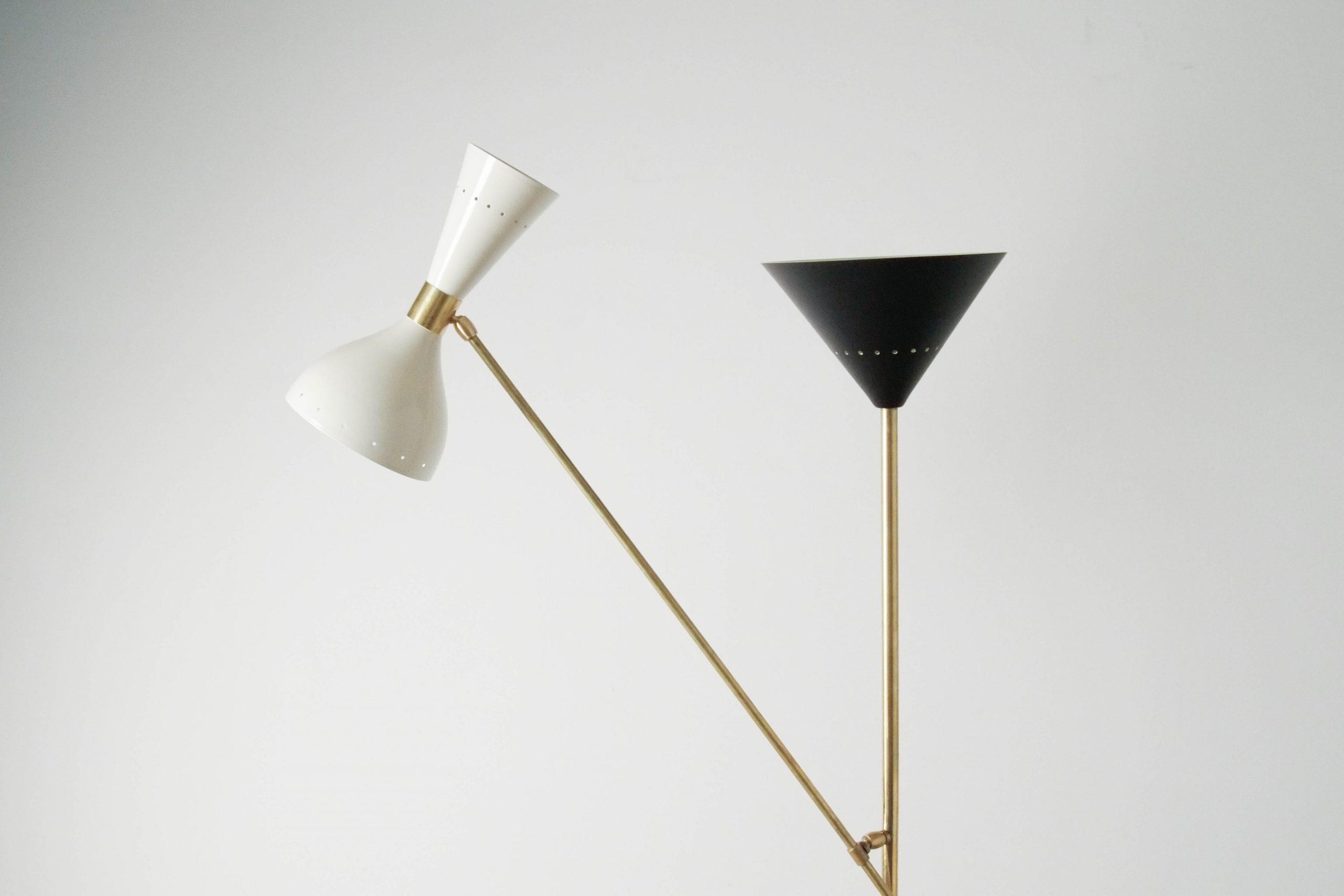 lampara geometrica de laton elegante iluminacion indirecta