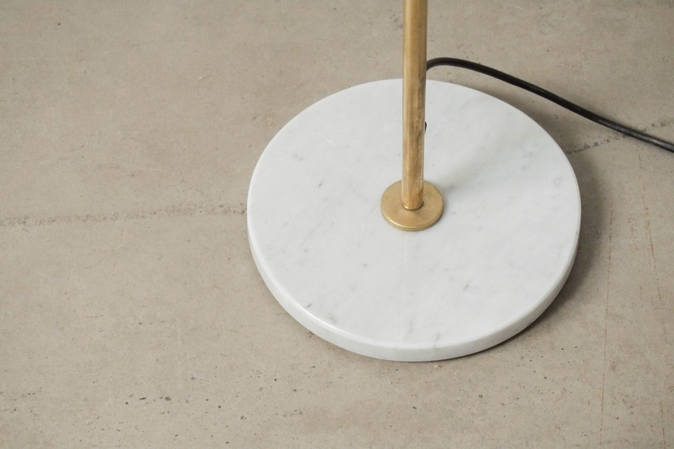 lampara de estilo de laton pie de marmol italiano hecho a mano en italia