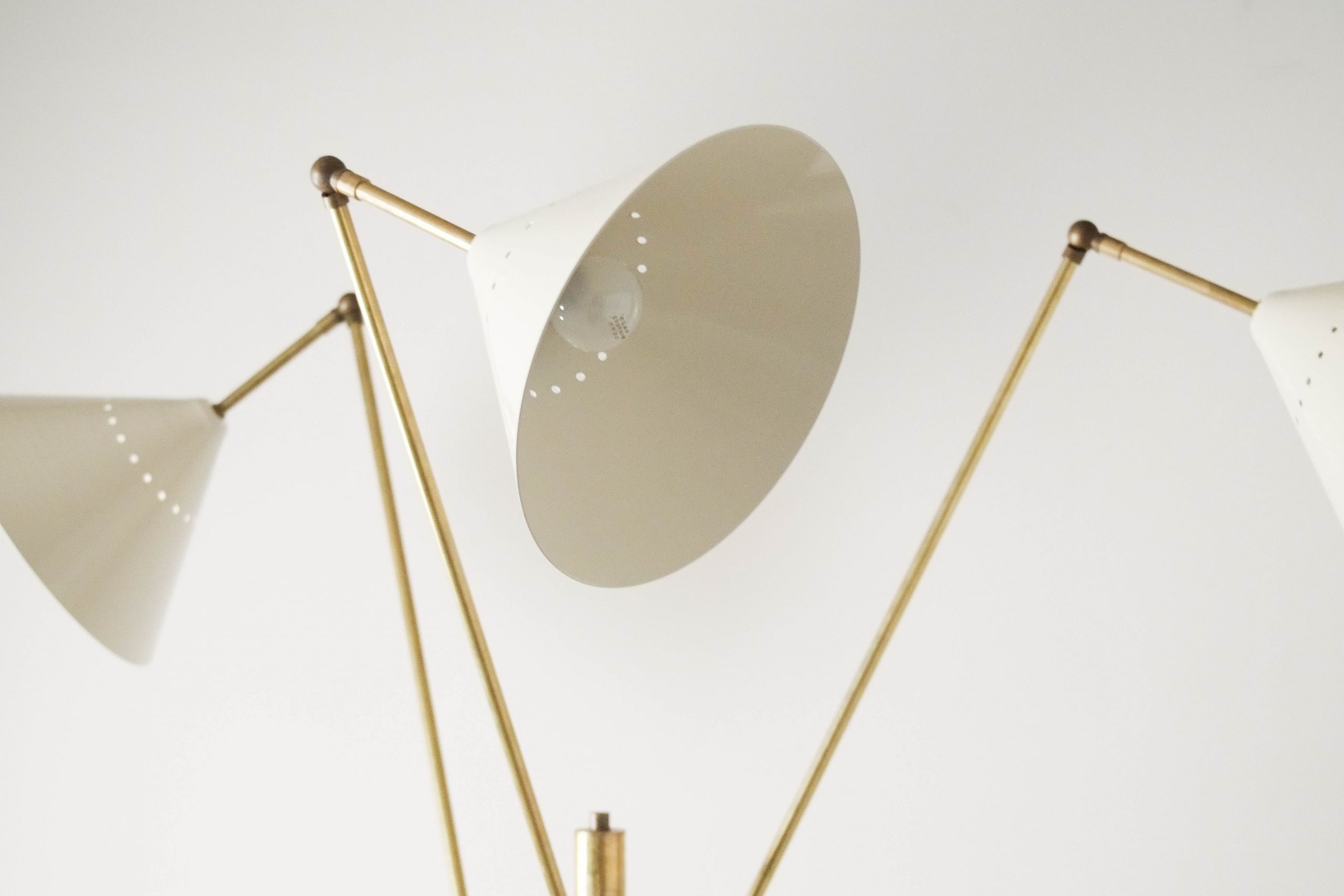 lampara de diseño italiana de laton fabricada a mano calidad elegante metal