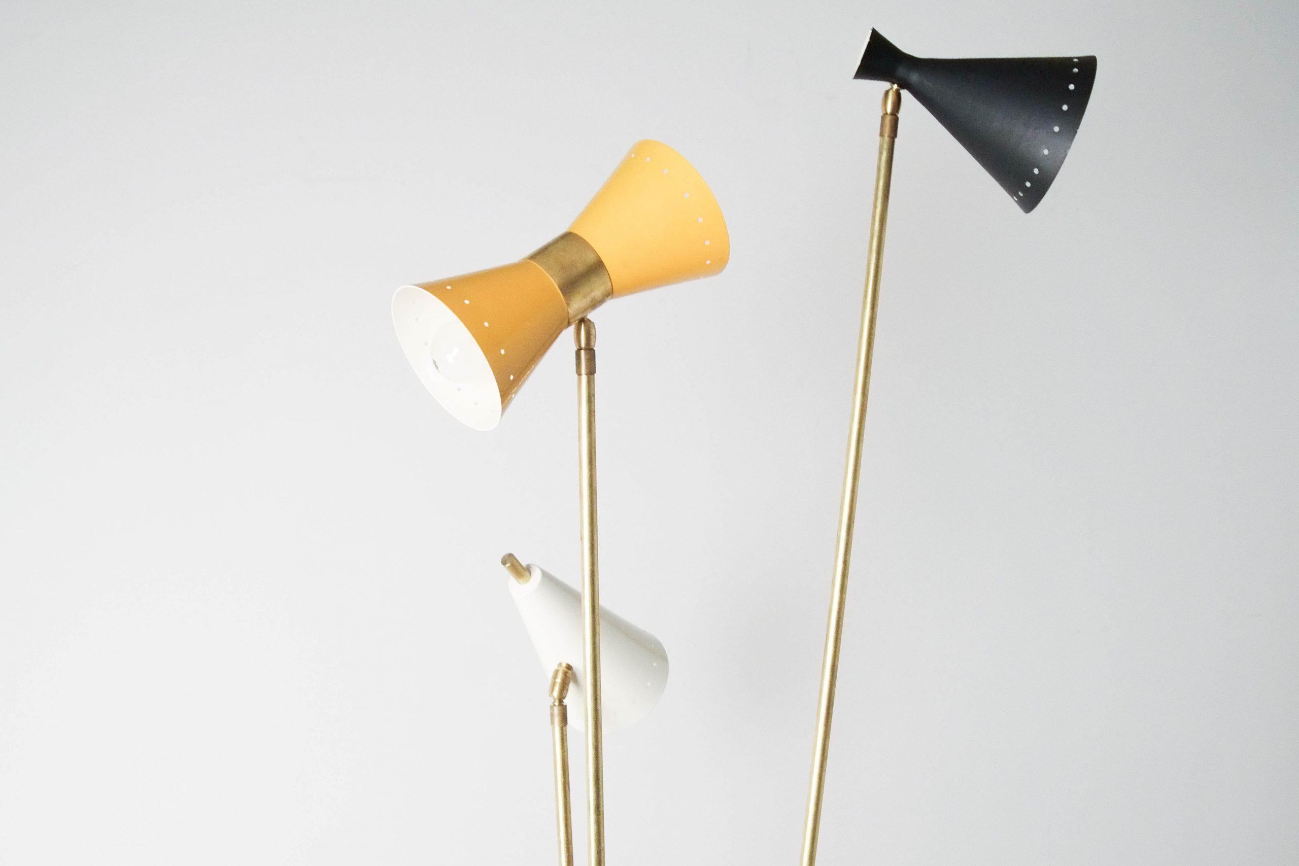 lampara de pie italiana de colores triple amariño ajustable