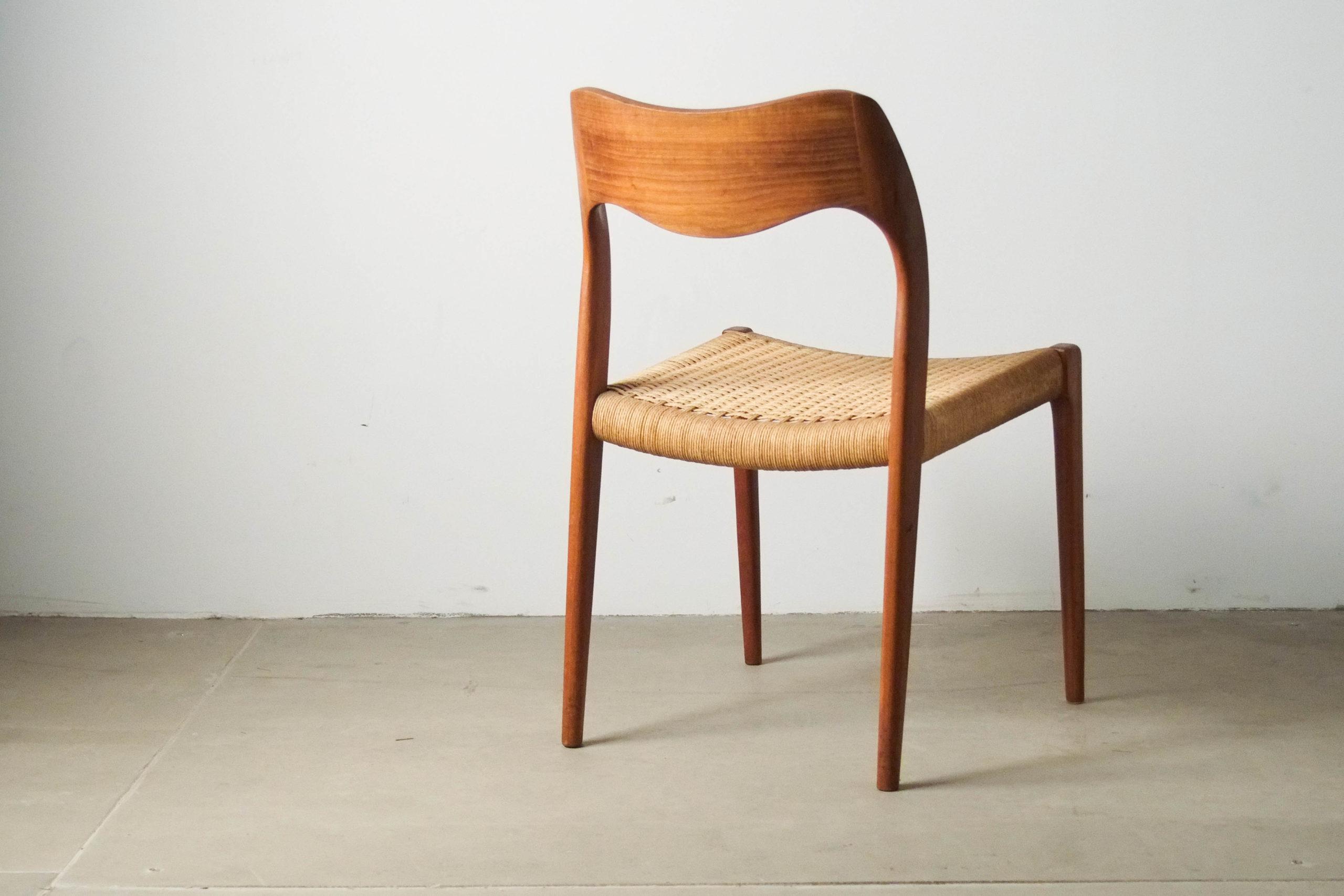 silla de madera vintage de diseño