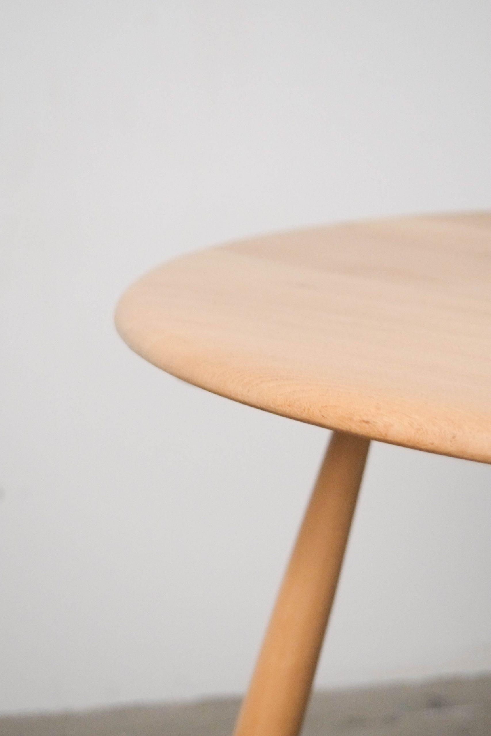mesa camilla mesa redonda de centro de cafe ercol de madera de haya y olmo