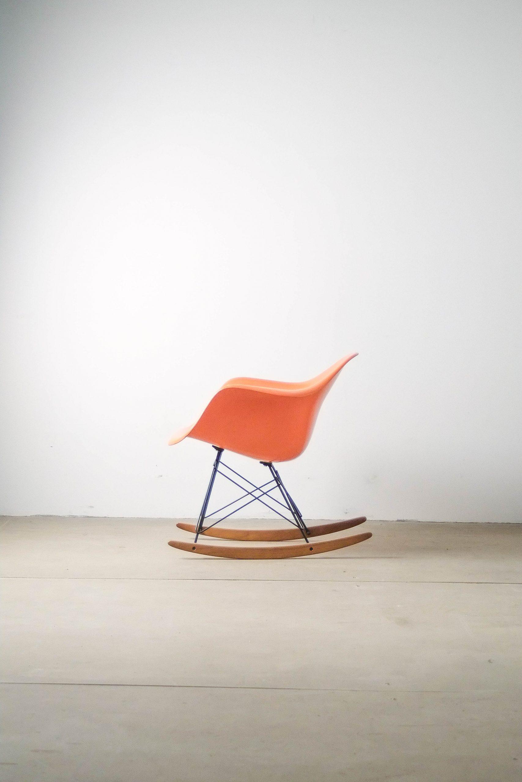 silla butaca comoda mecedora herman miller de diseño años 60 calidad