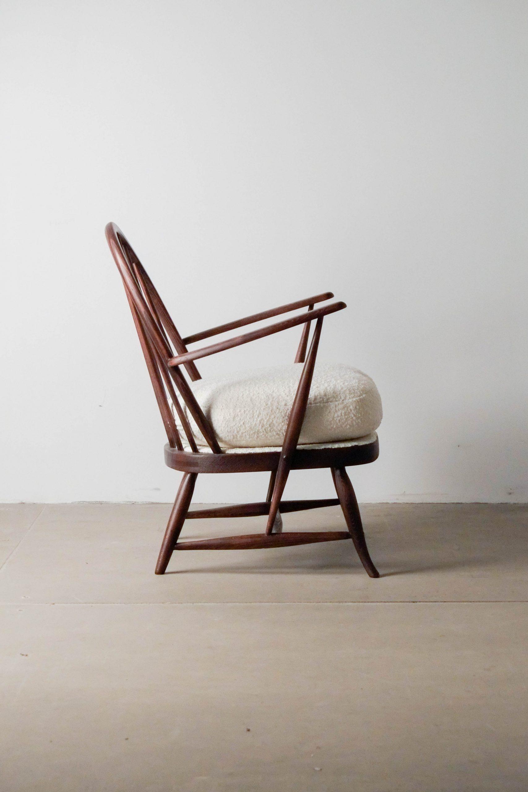 butaca comoda ercol de madera de lectura comoda tapizada