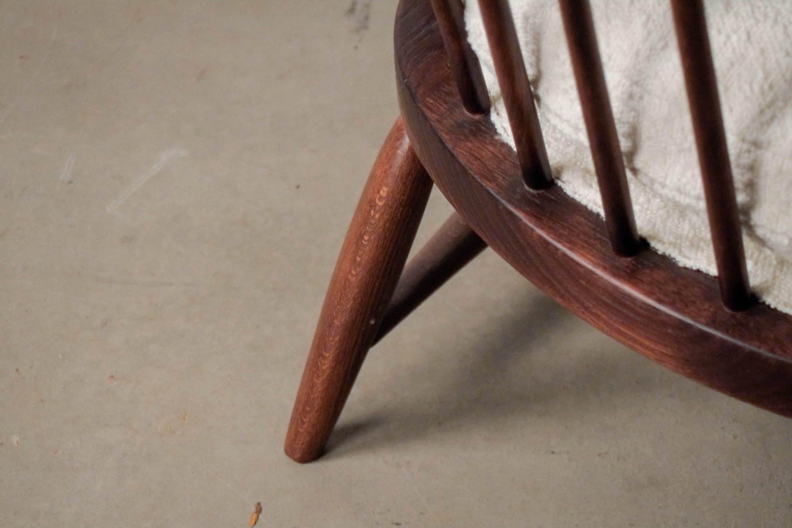 detalle de madera torneada calidad butaca comoda