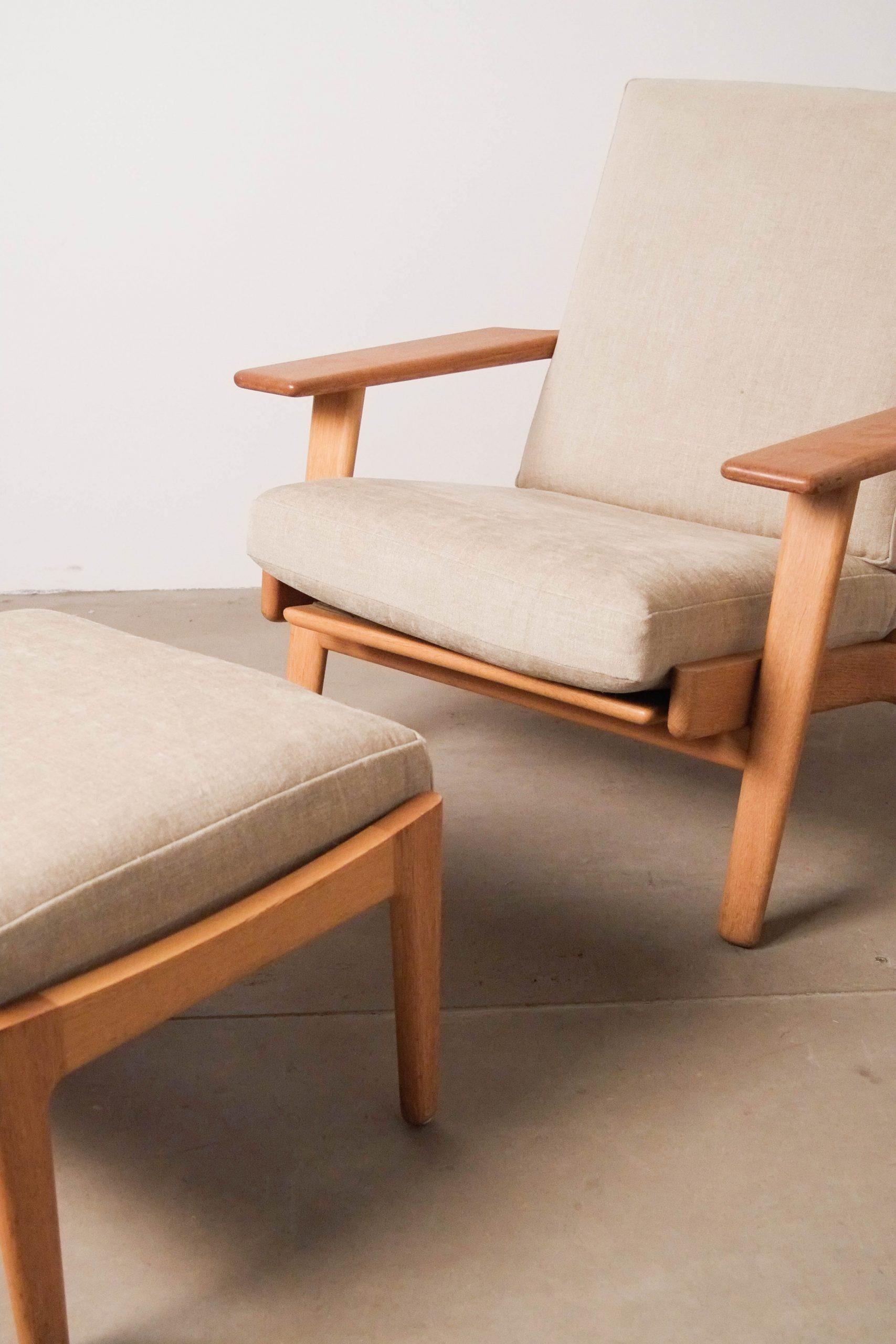 butaca con reposa pies de diseño lounge comoda silla nordica