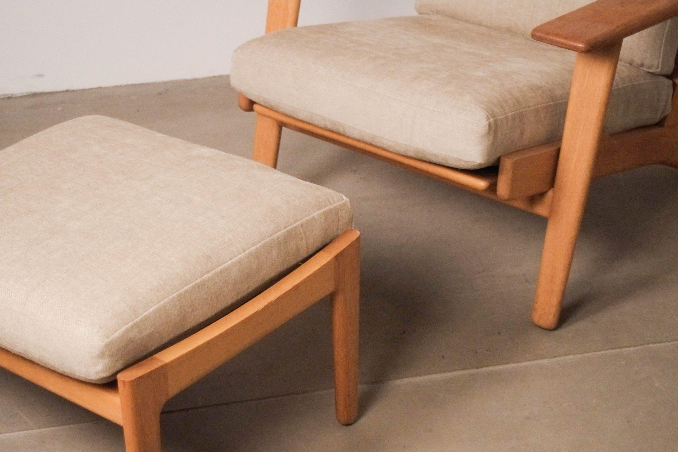 butaca con reposapies comoda lounge de diseño nordica escandinava madera maciza
