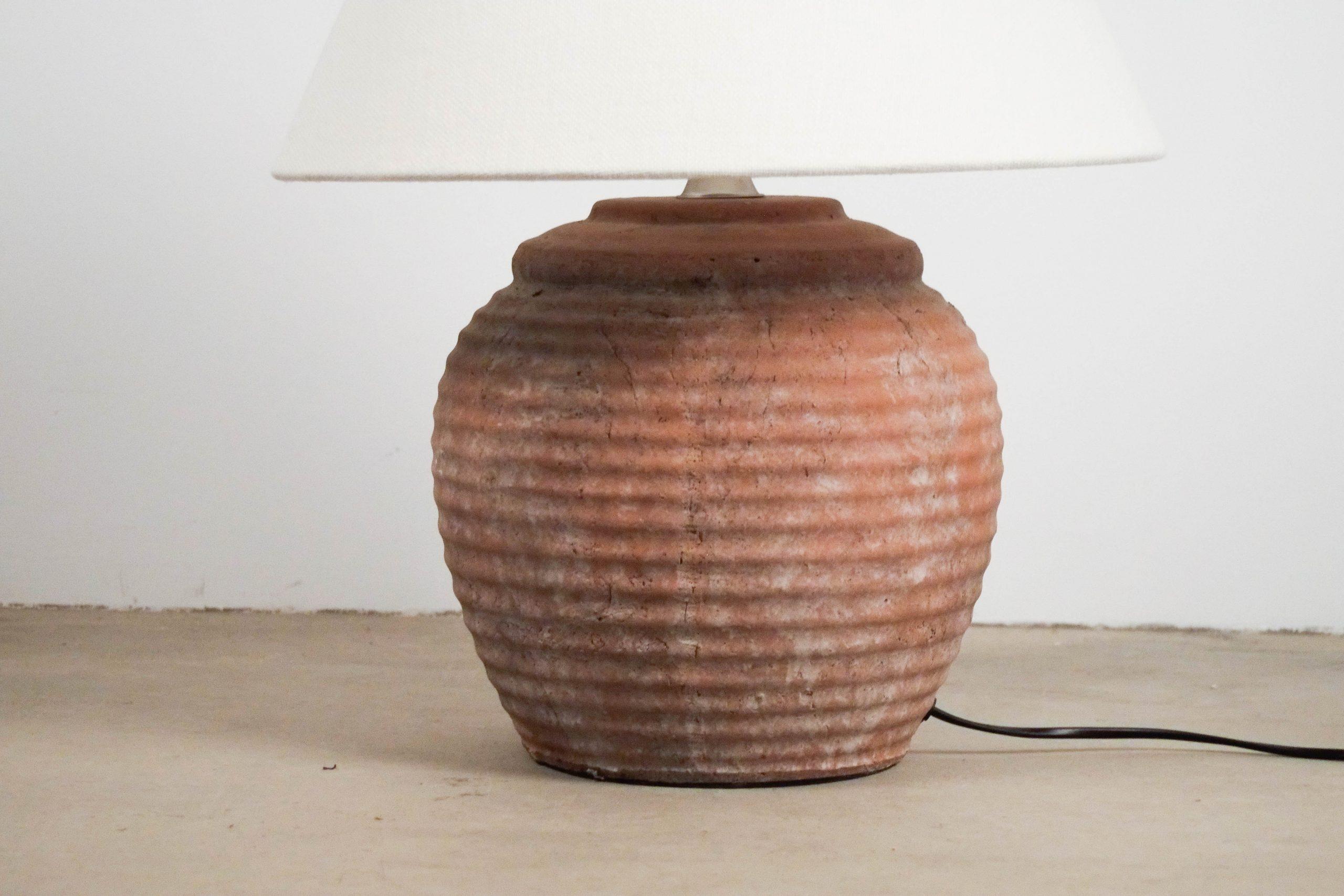 lampara de color teja fabricada a mano en ceramica teja