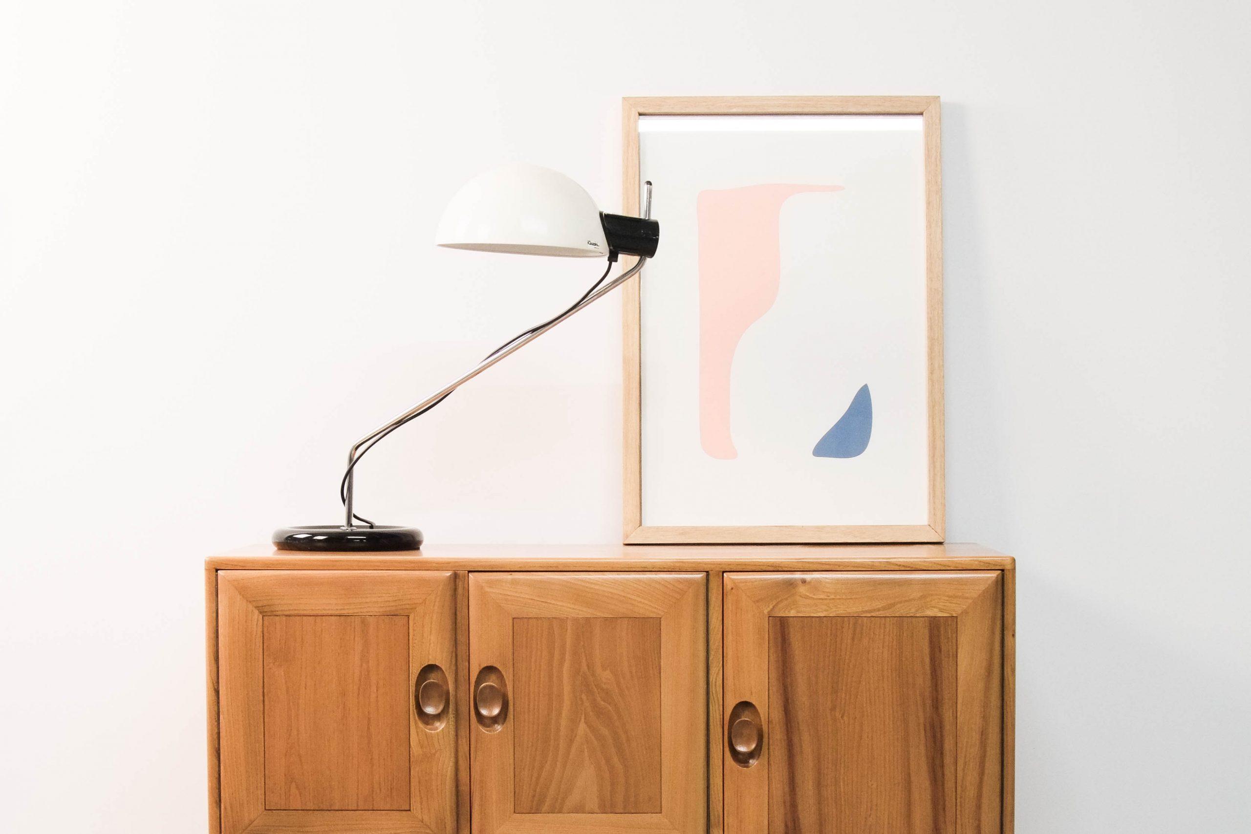flexo lampara de diseño guzzini italiana metalica de calidad pie hierro