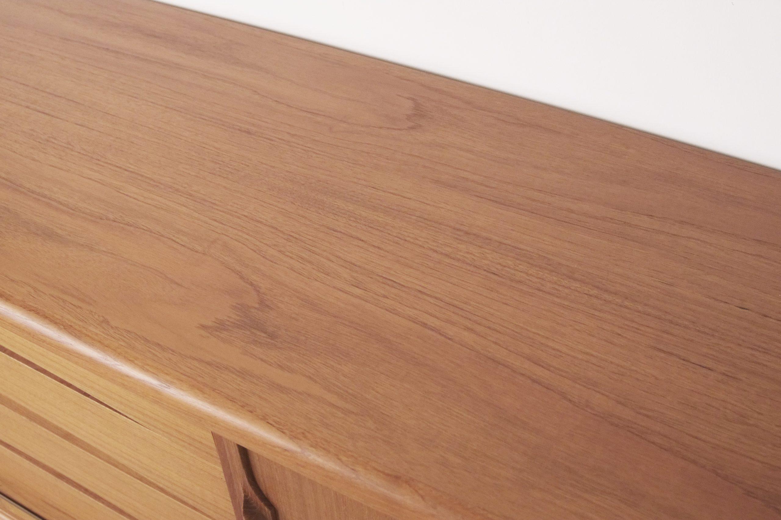 mueble de diseño vintage retro en madera de