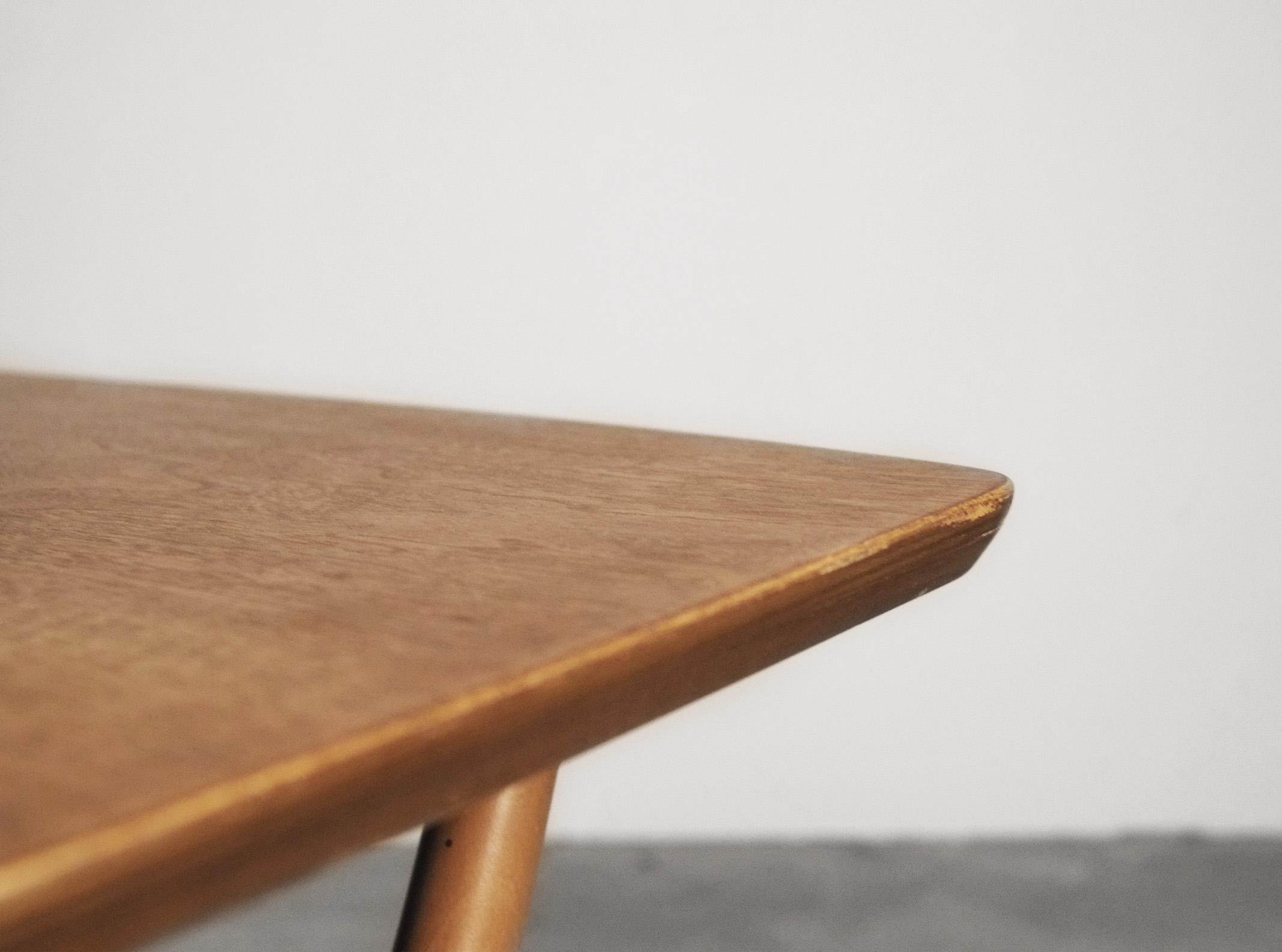 mesa auxiliar ercol hecha a mano en reino unido