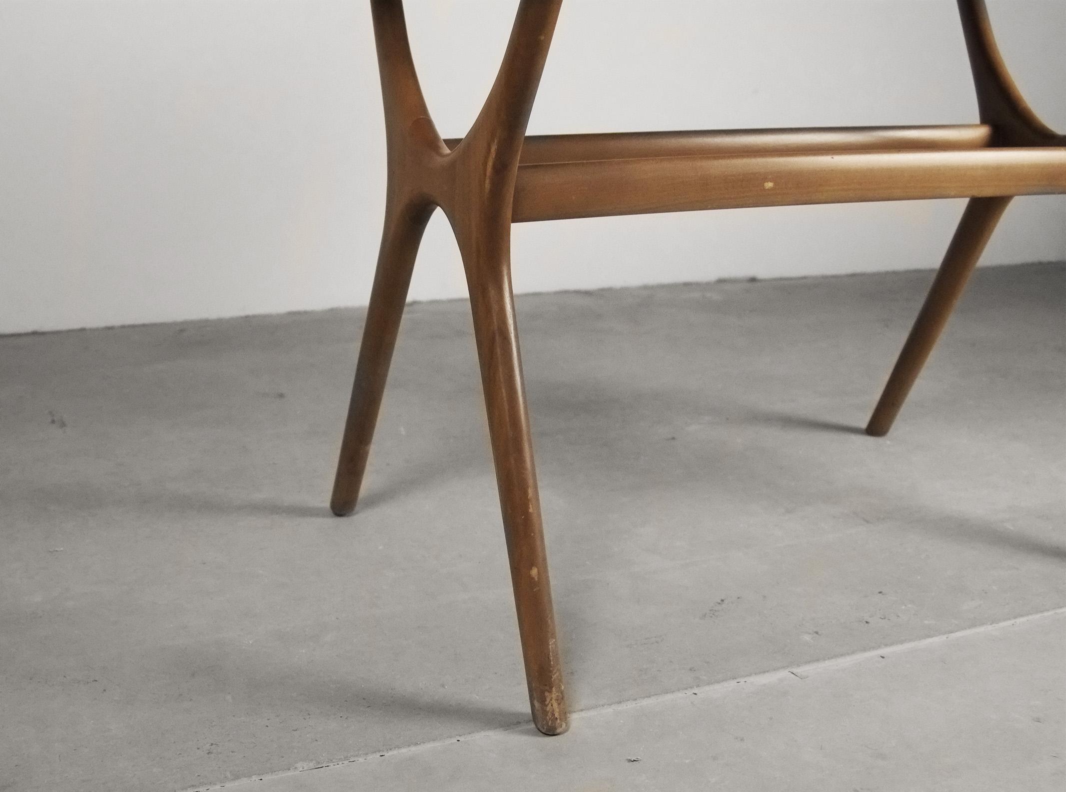 mesa comoda auxiliar de diseño comoda