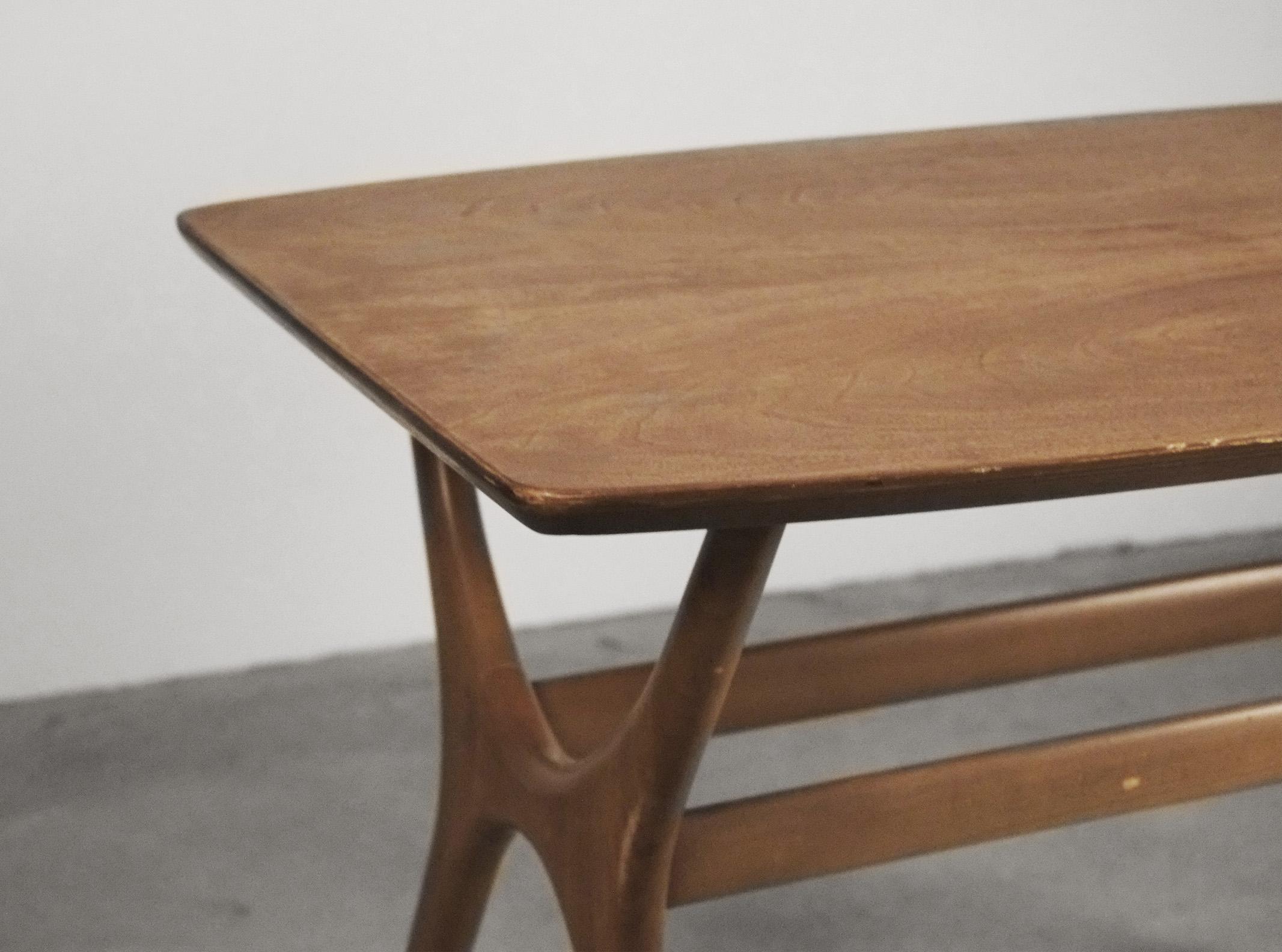 mesa de madera mesilla comoda de madera de olmo ercol