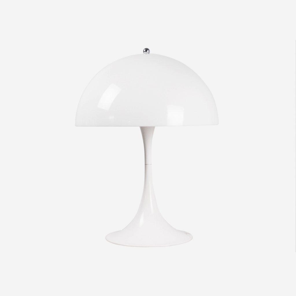 lampara retro de diseño panthella de color blanco roto vintage