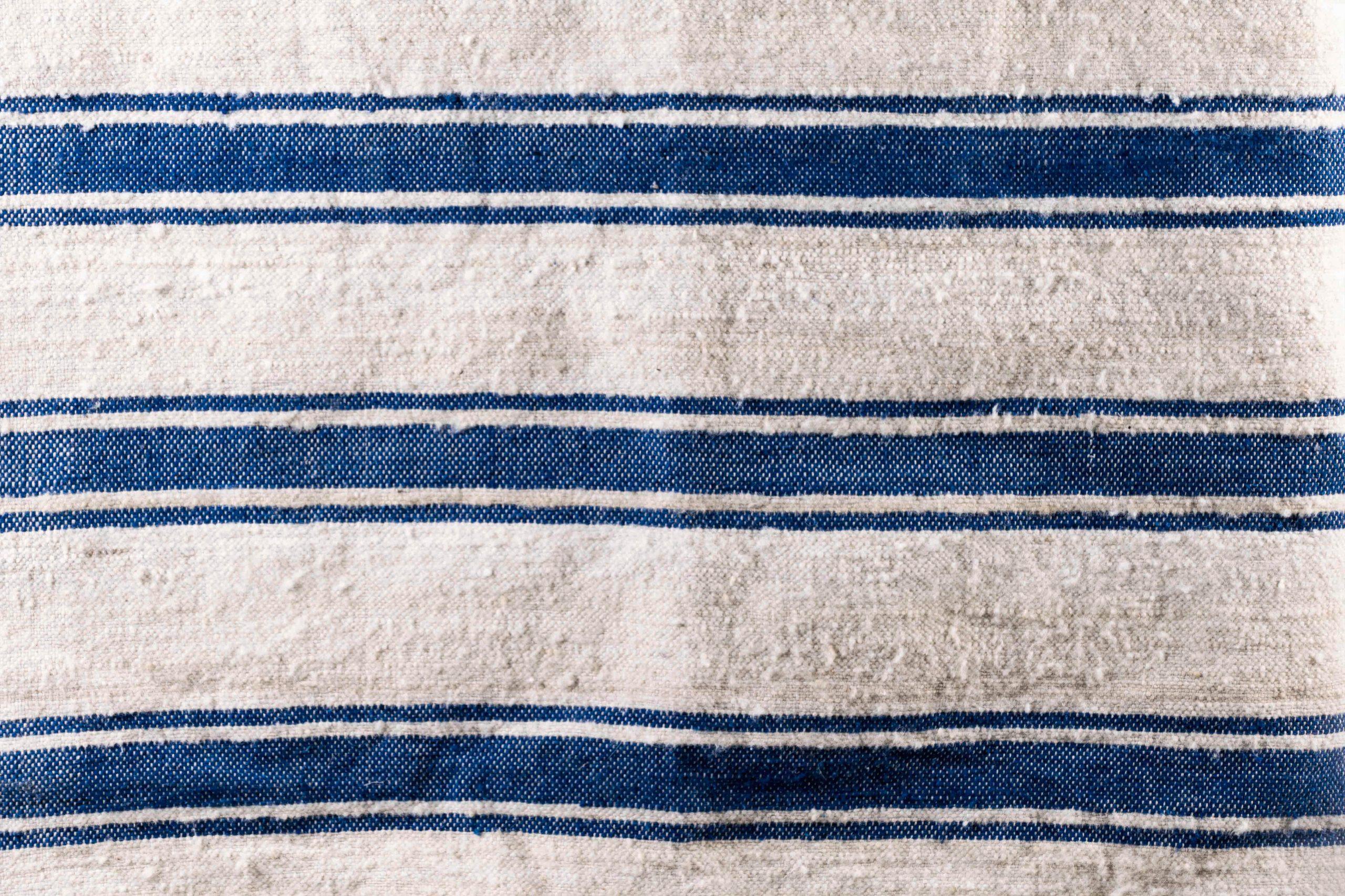 Alfombra azul de salon de mesa alfombra pepita lana azul marroqui de color azul