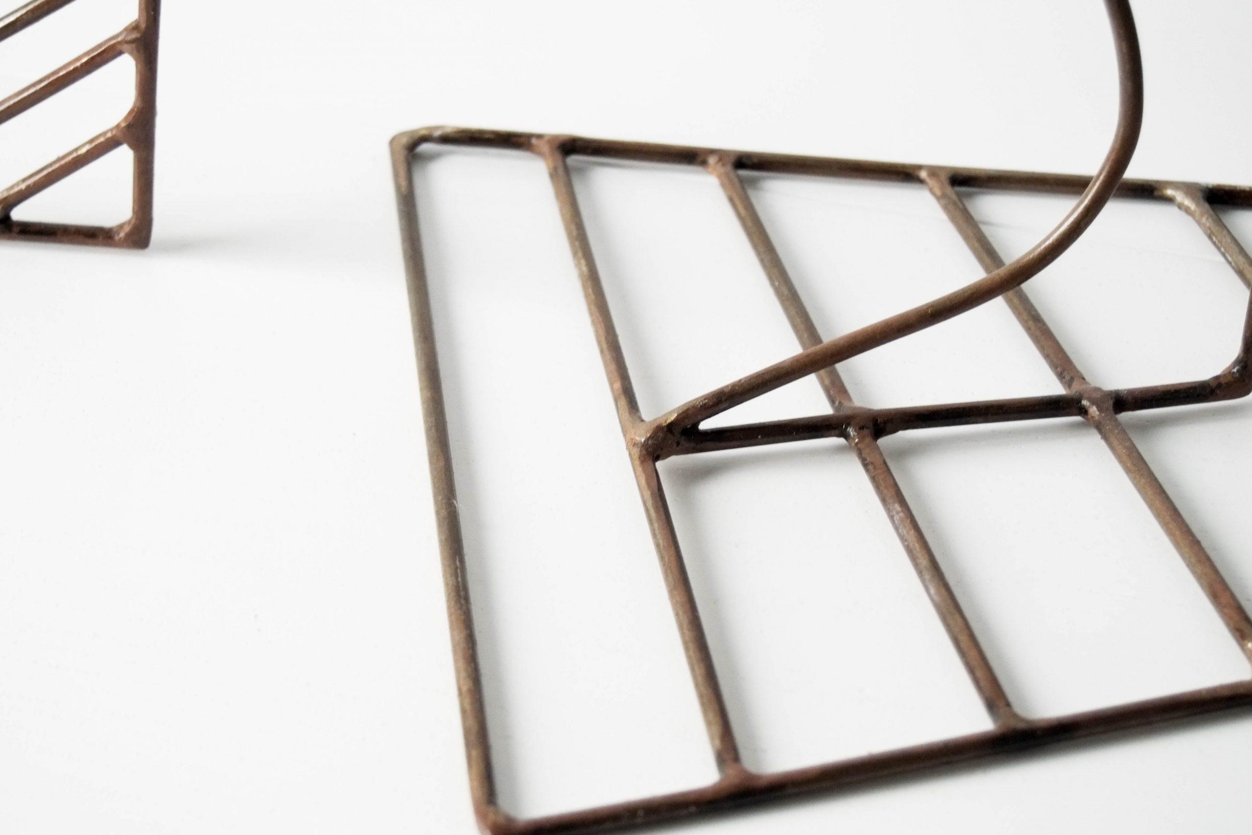 detalle escultura metal diseño fabricado a mano