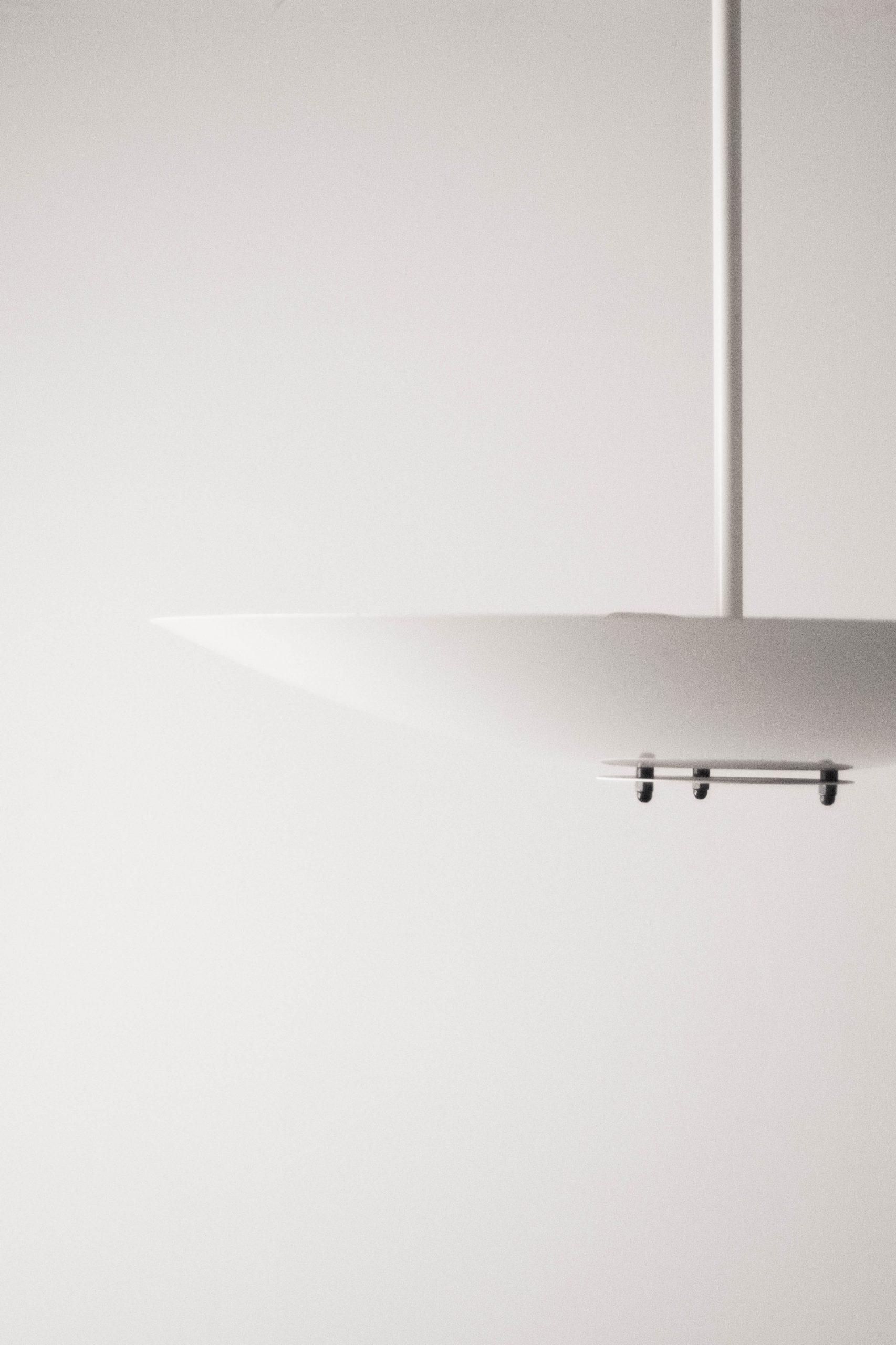 lampara de techo fabricada en blanco danesa de diseño