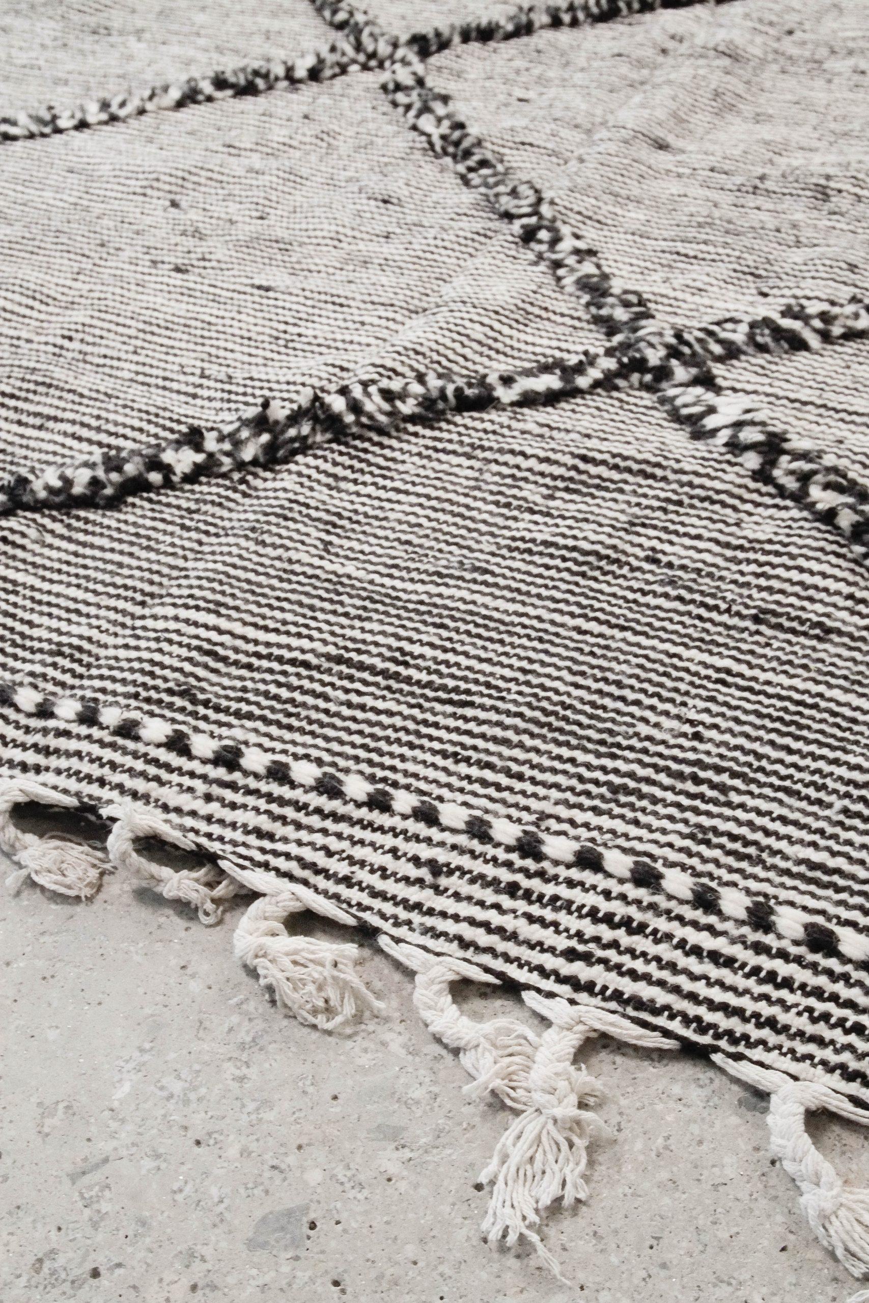 alfombra grande marroqui de salon hecha a mano