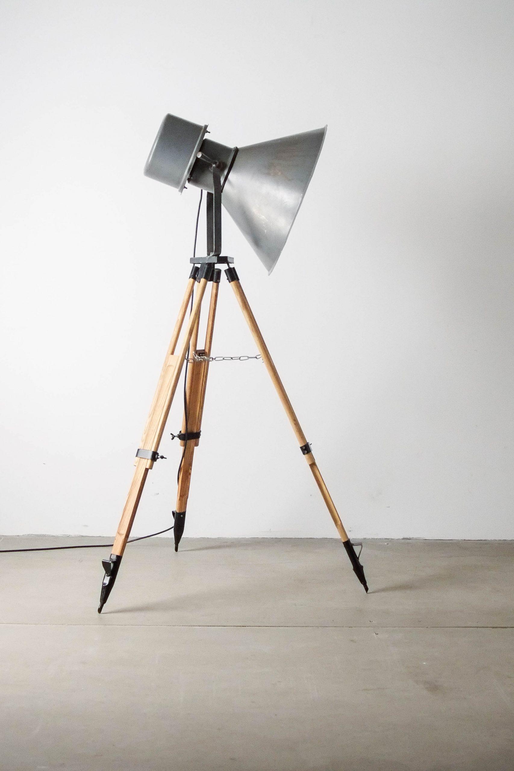 detalle ajustable foco lampara de pie diseño