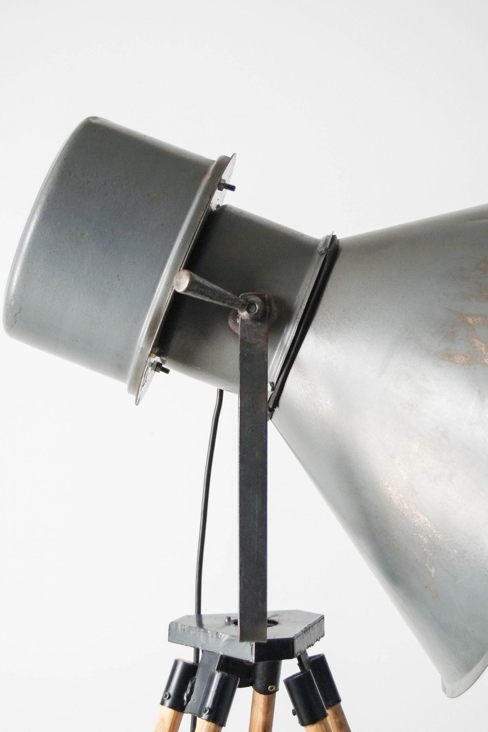 foco lampara tripode industrial