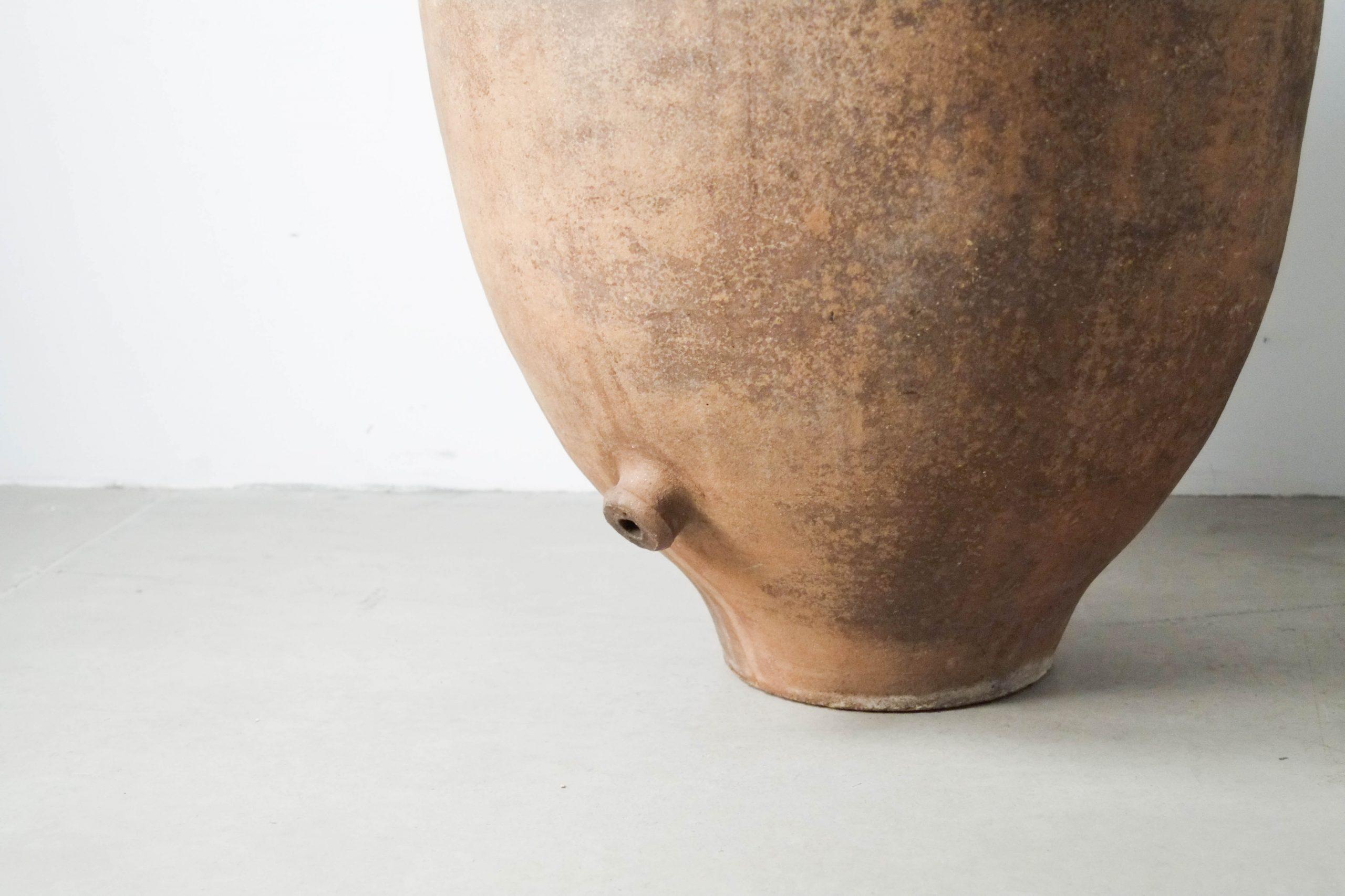 vasija tinaja de barro agua