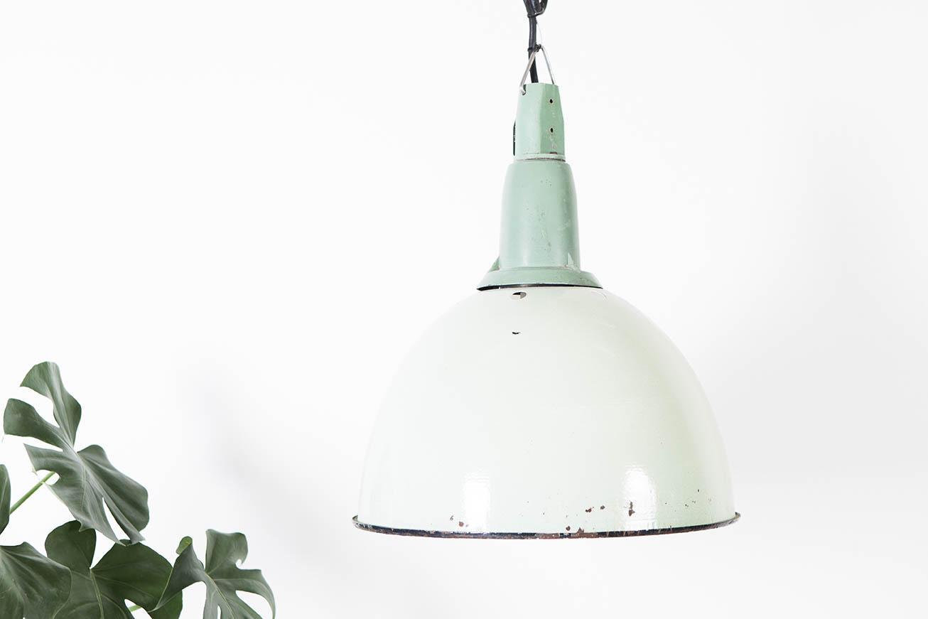 lampara verde industrial de techo de diseño aleman