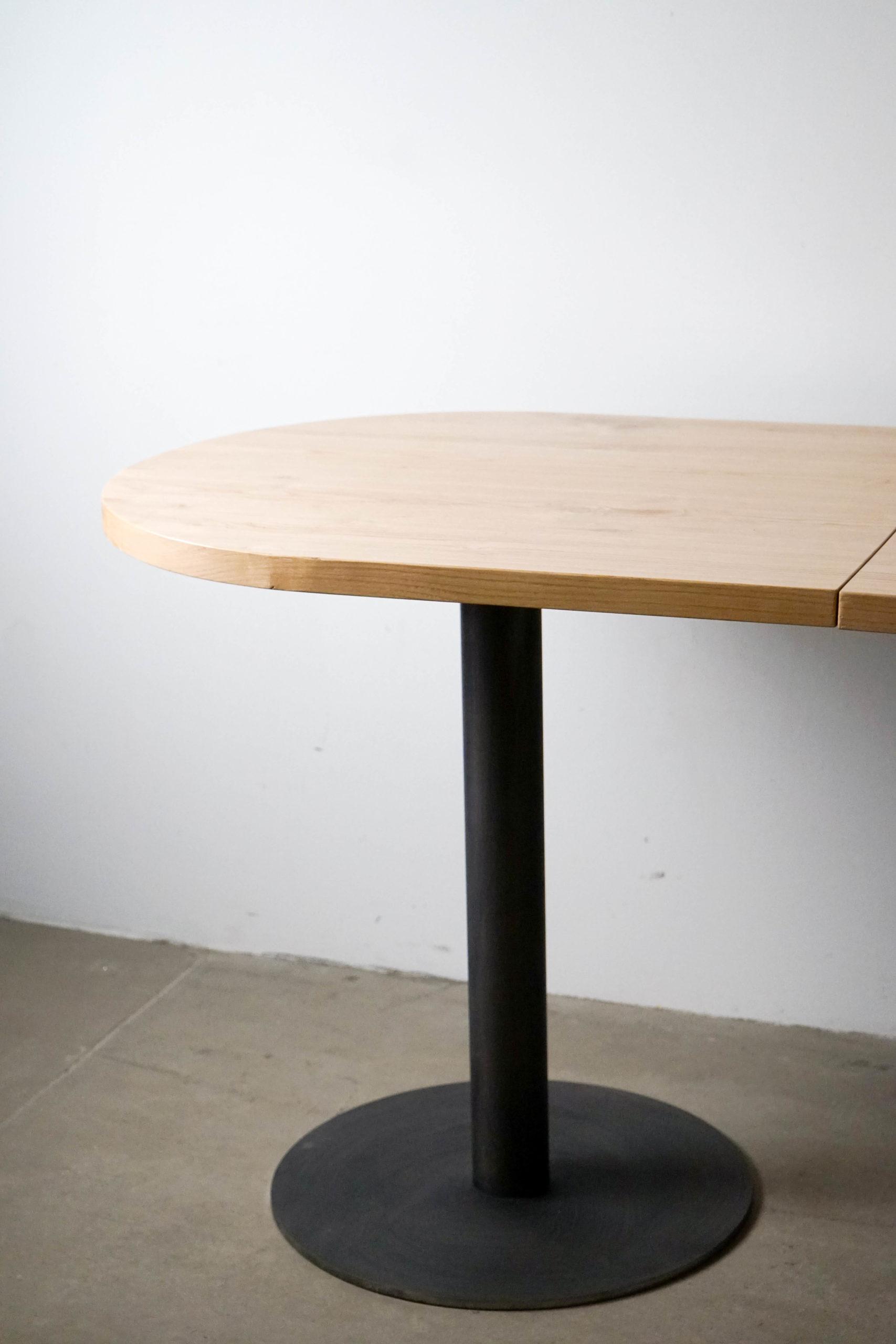 mesa de madera y castaño