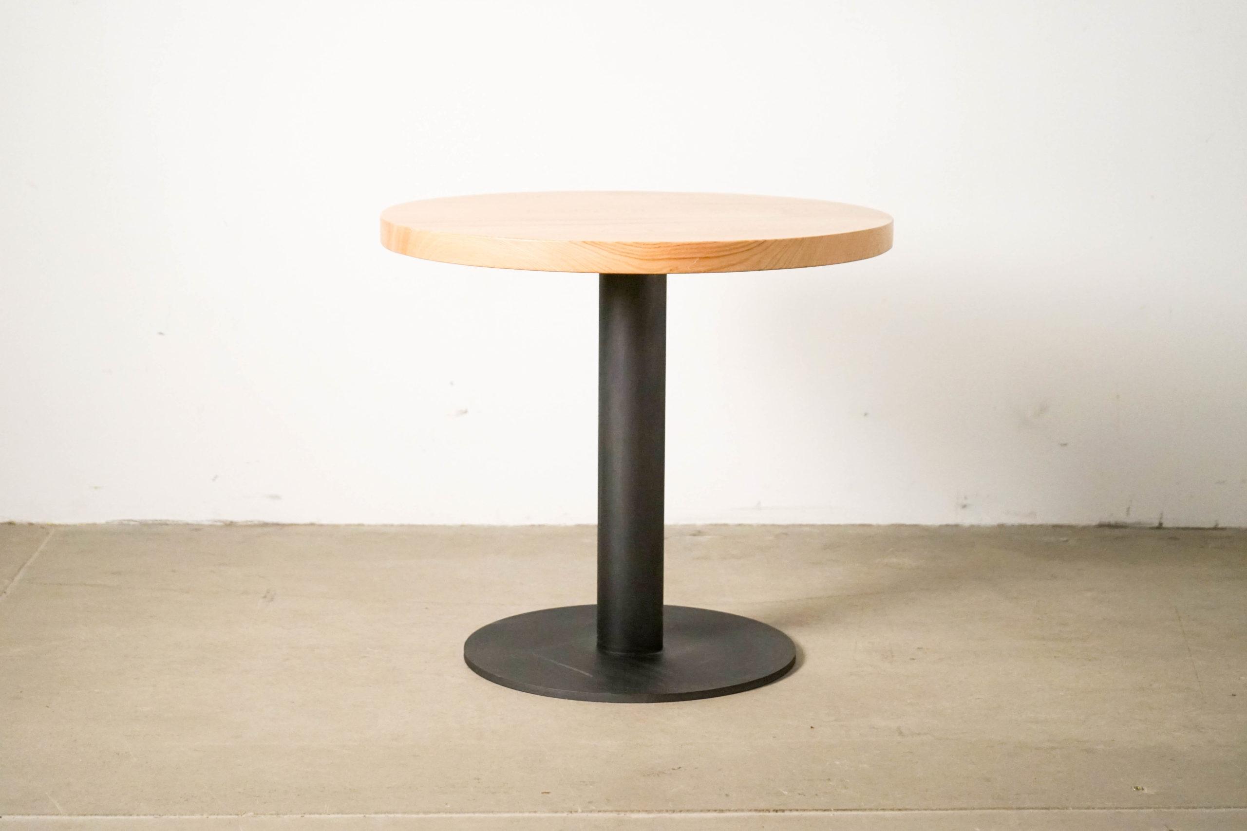 mesa de hosteleria de castaño hecha a mano