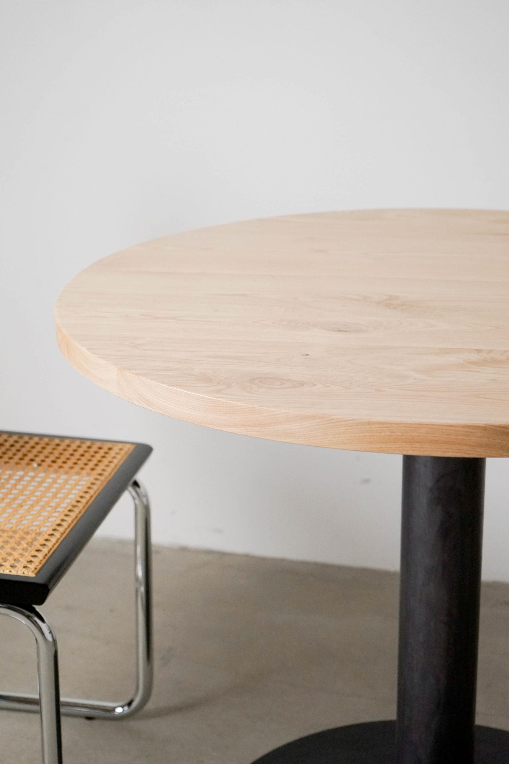 mesa de madera redonda hecha a mano de diseño metal madera elegante
