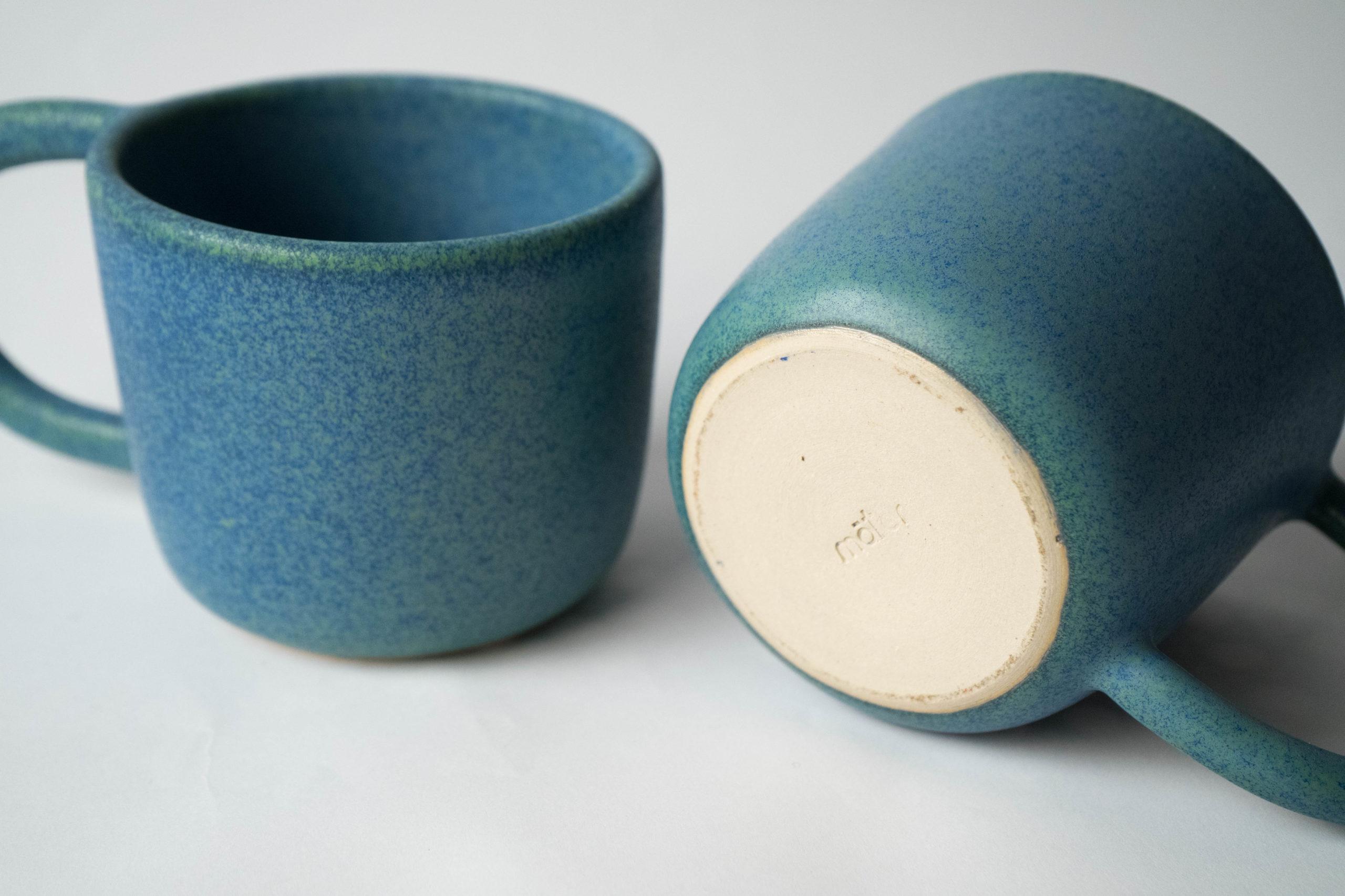 set juego de dos tazas azules con asa grande desayuno medianas