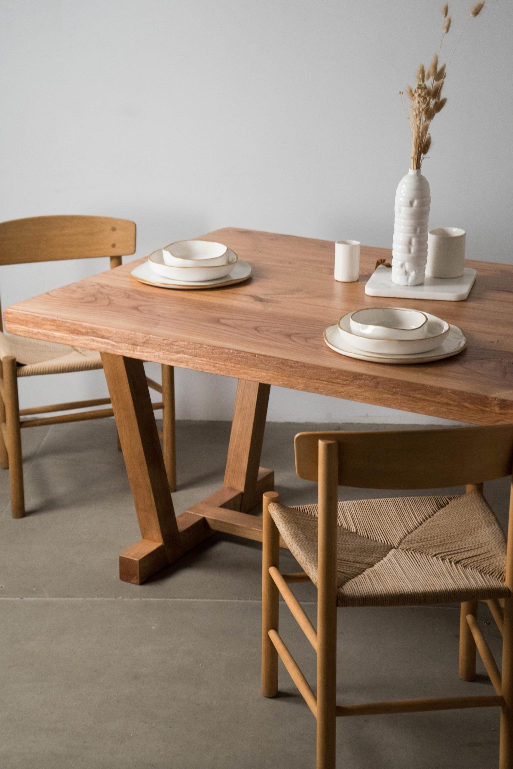mesa de comedor rustica de madera maciza de castaño sillas j39