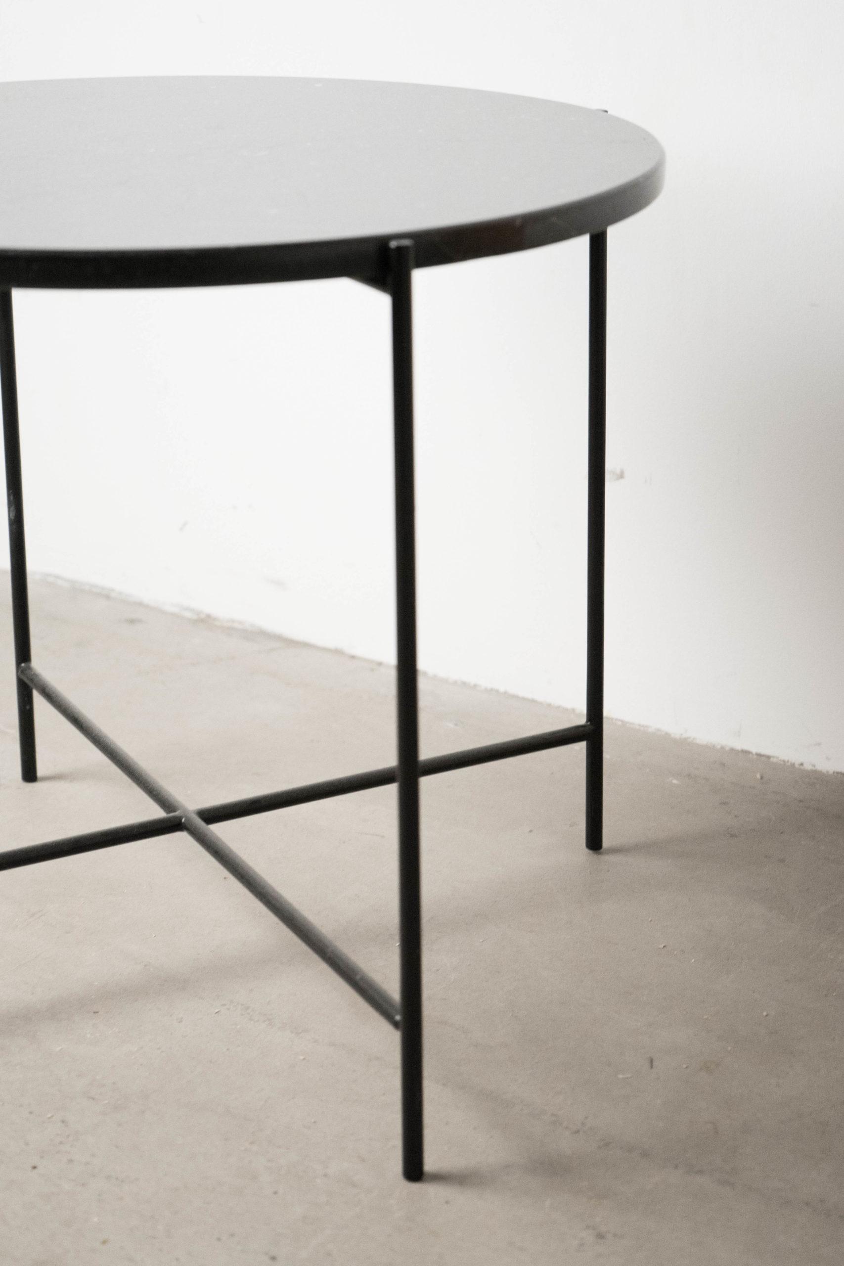 vista general mesa grande detalle auxiliar negra marmol