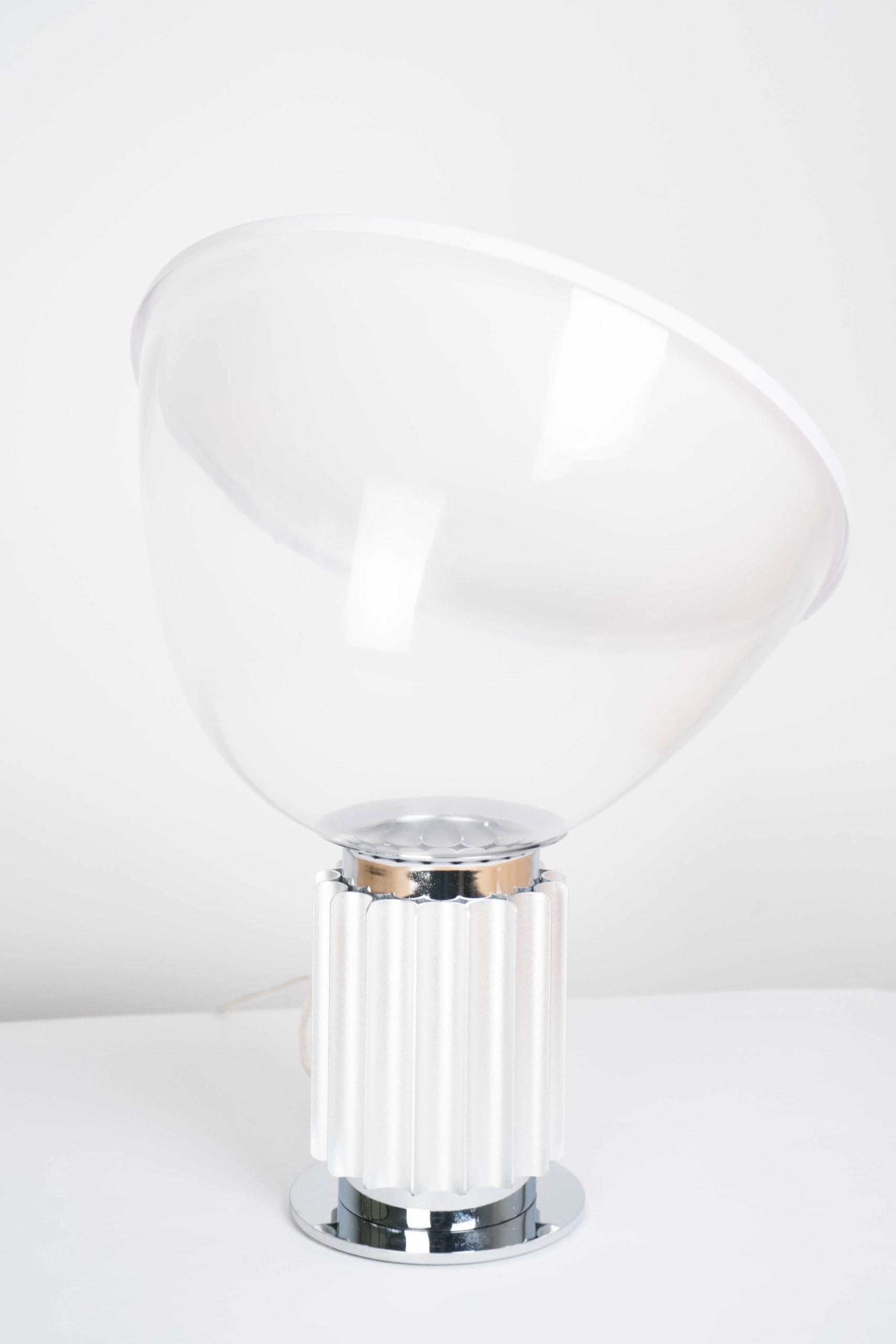 lampara de mesa blanca de diseño