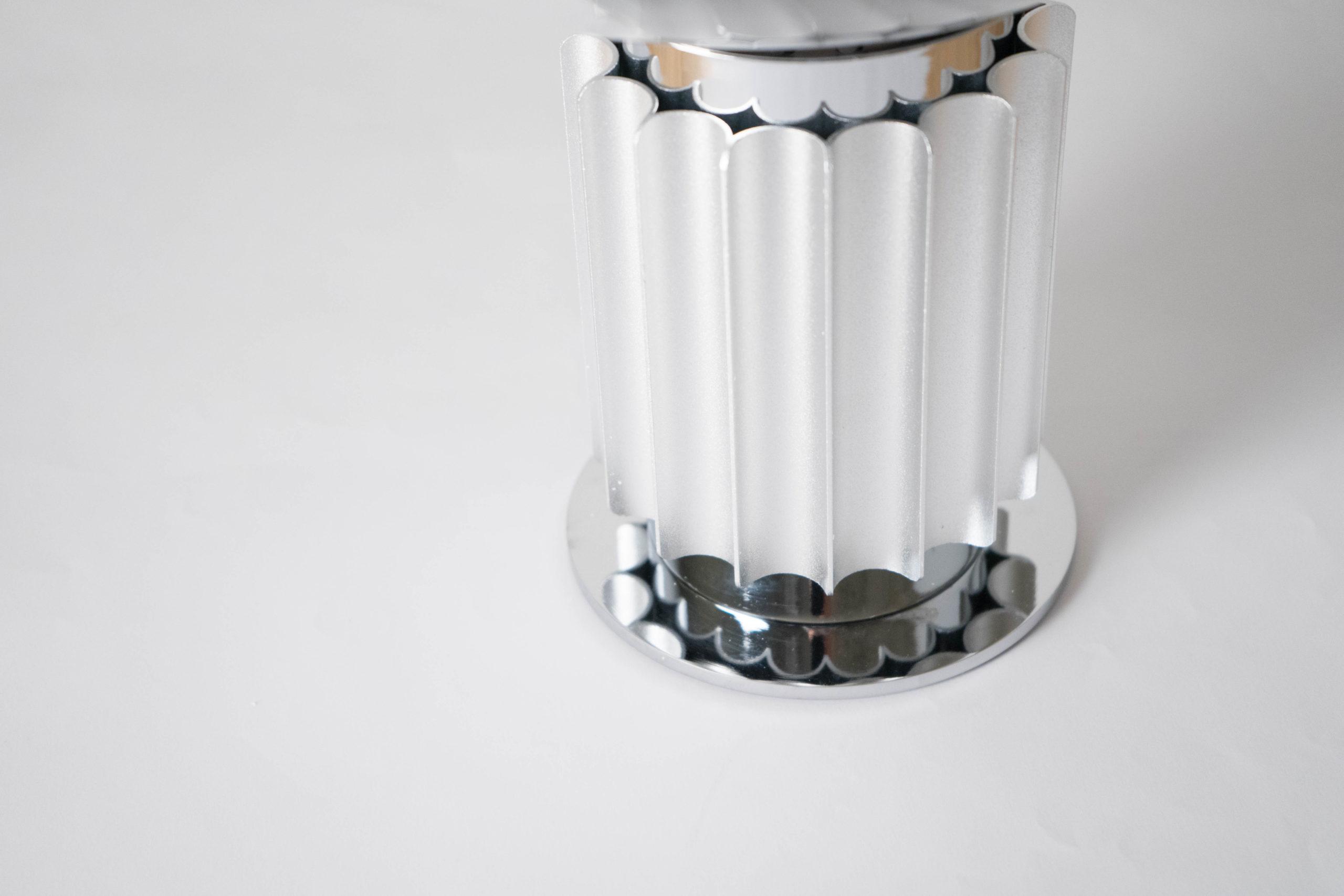lampara de diseño de metal